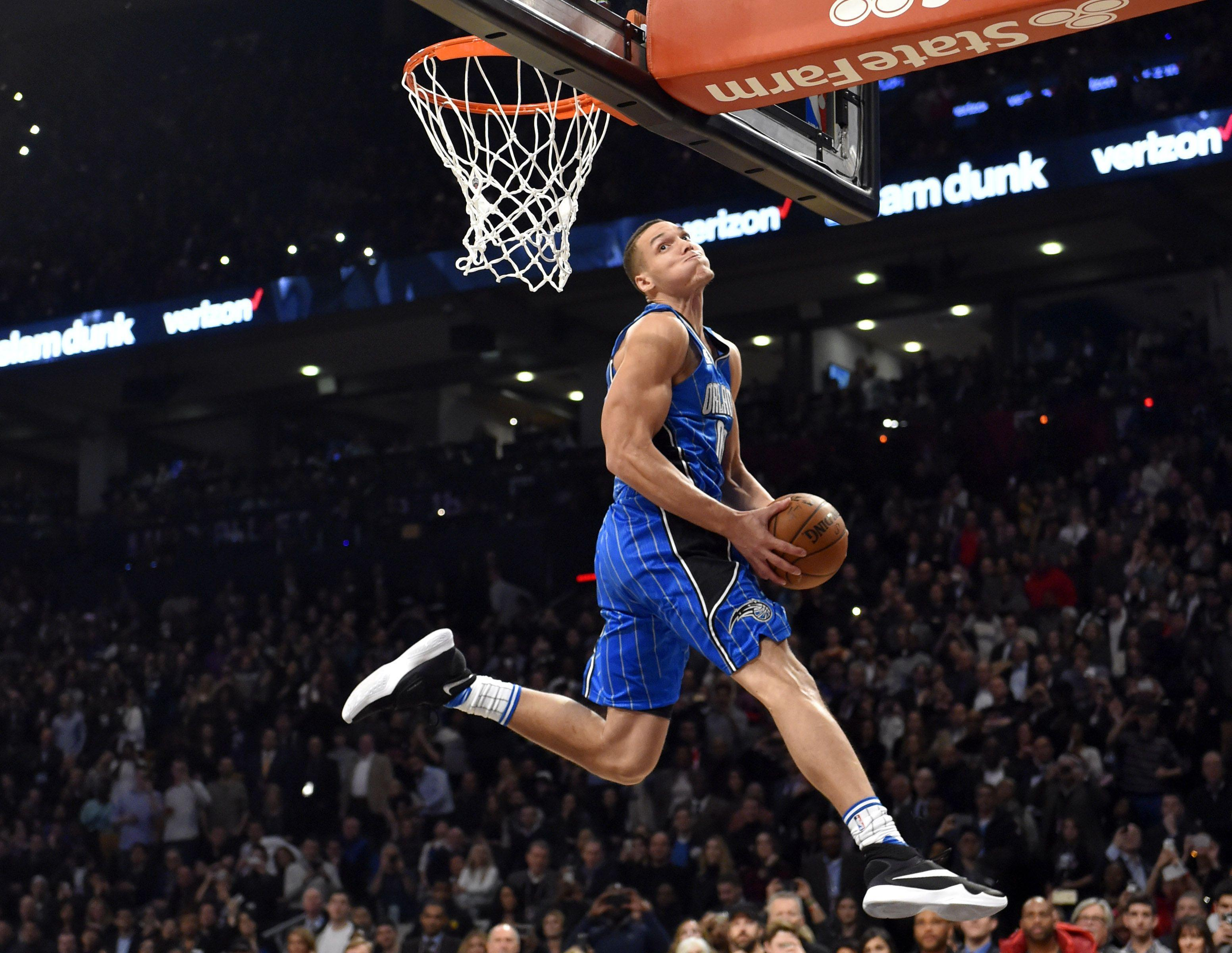 The 2016 NBA Dunk Contest in 7 astonishing photos - SBNation.com