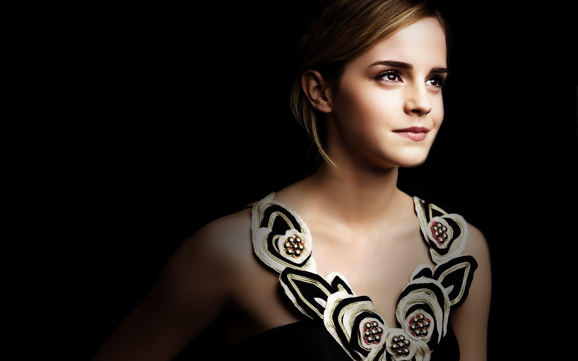 Emma Watson HD Desktop Wallpapers