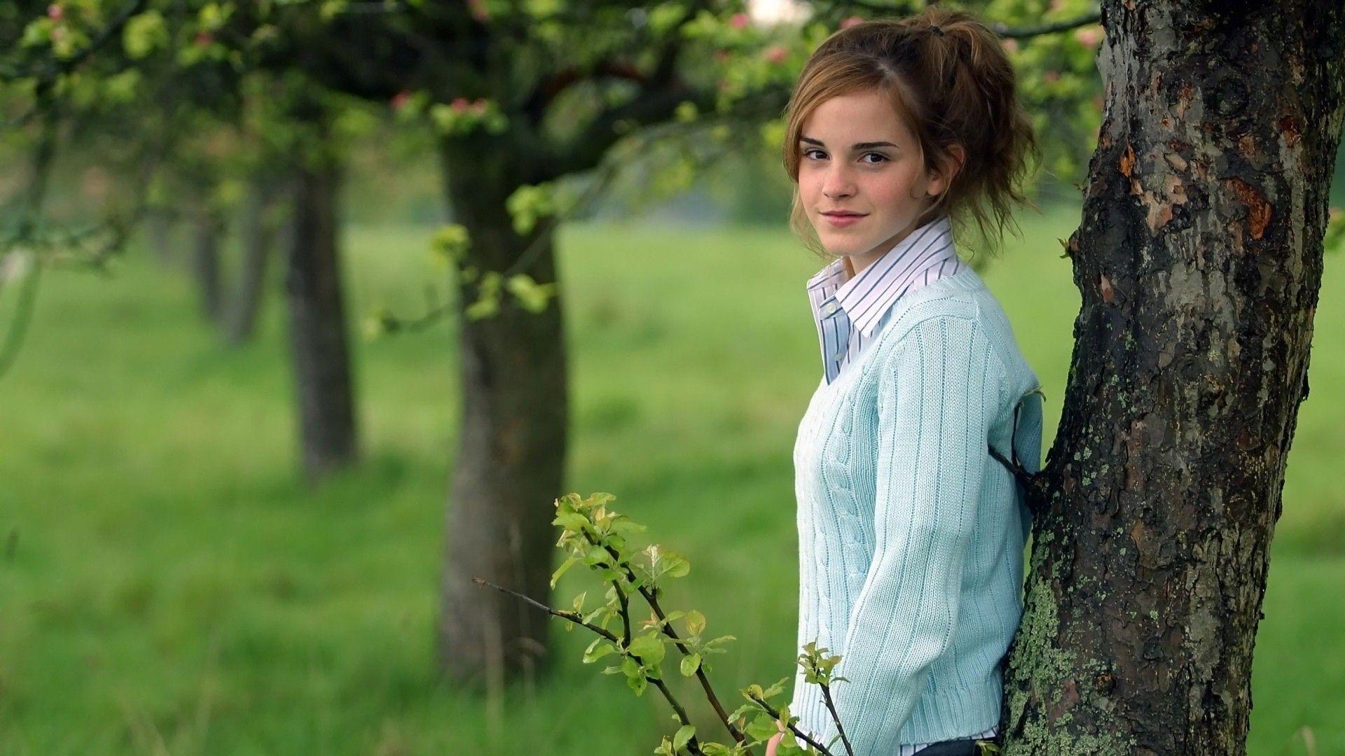 Emma Watson Wallpapers | Free Download HD Hot Beautiful Actress Images