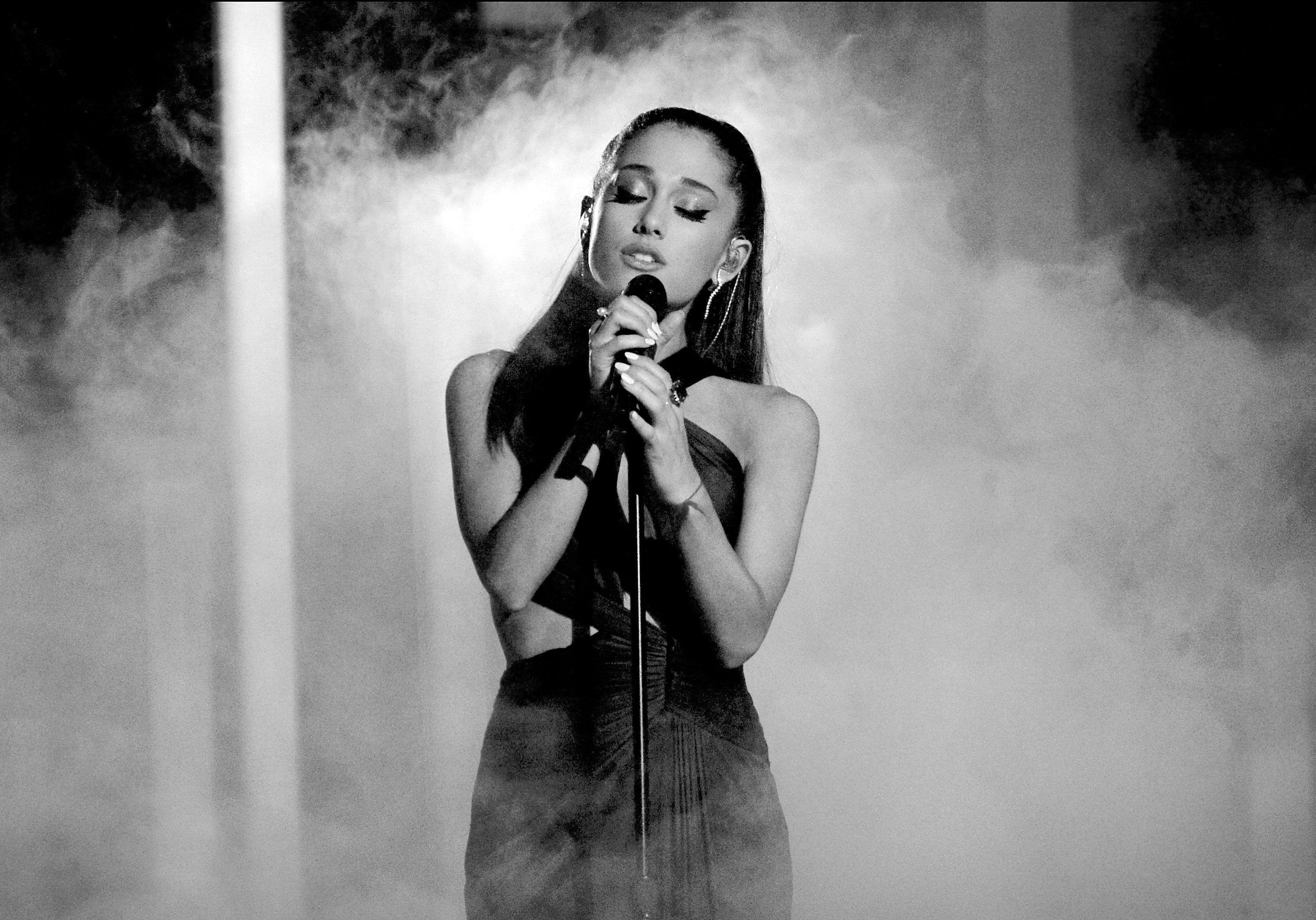 Ariana grande 2017 wallpapers wallpaper cave ariana grande wallpaper collection for free download voltagebd Choice Image