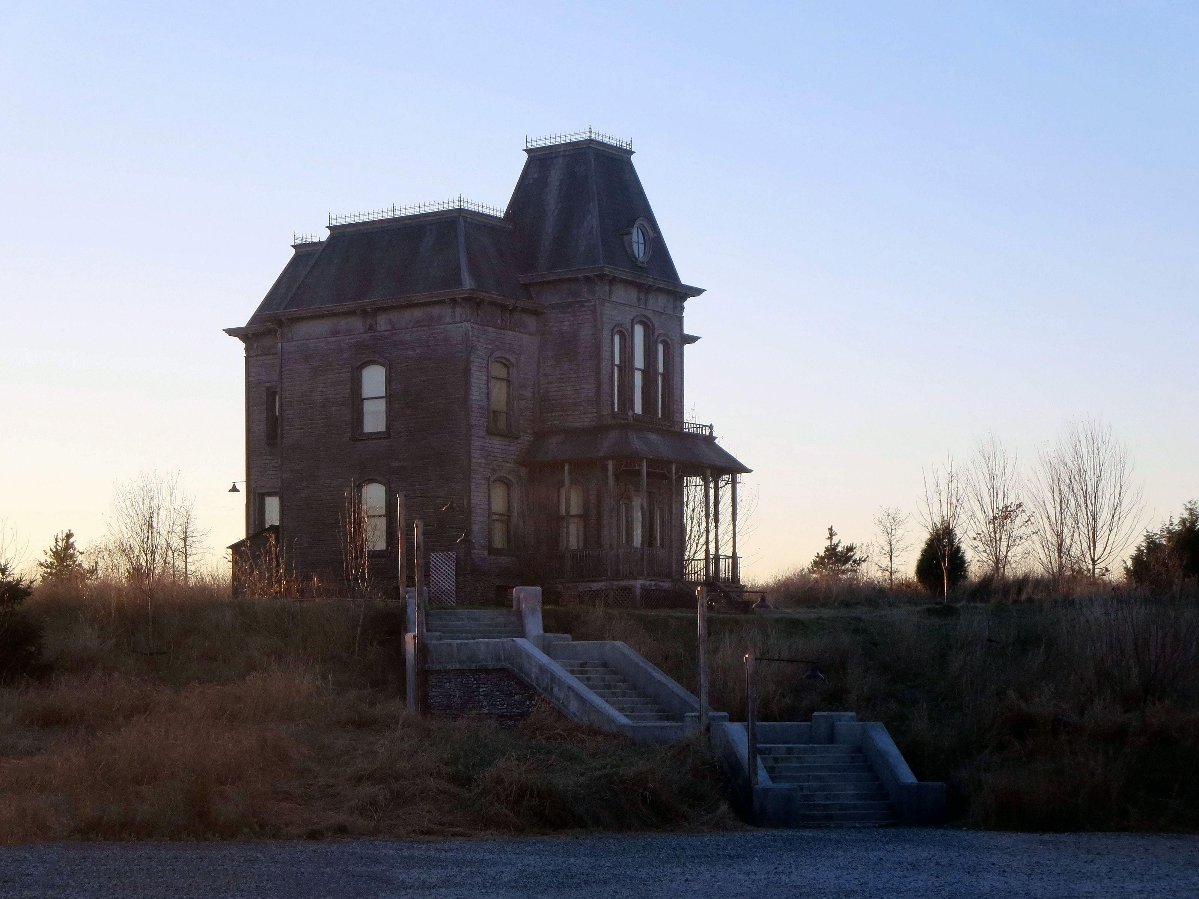 iPhone 6 Bates Motel Wallpapers : BatesMotel