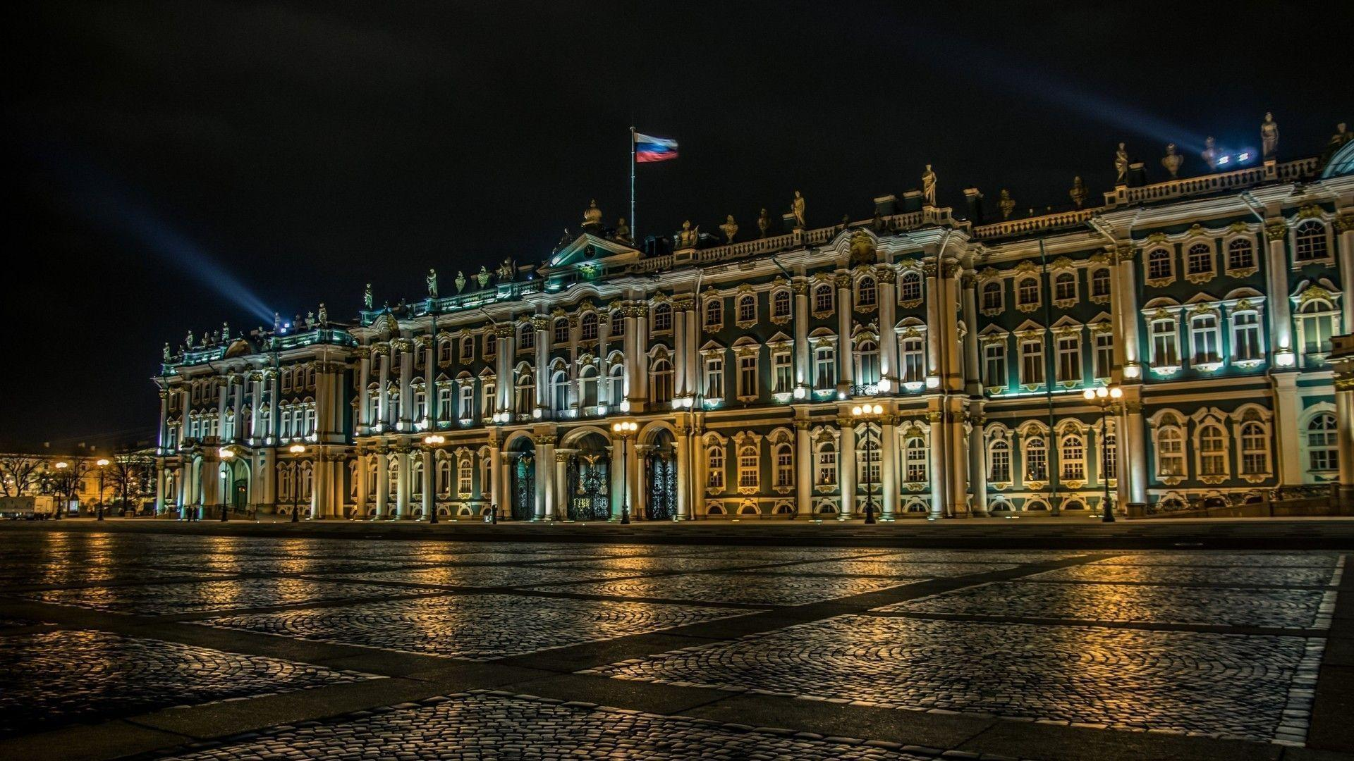 Palace in St. Petersburg under the Russian flag wallpapers and ...