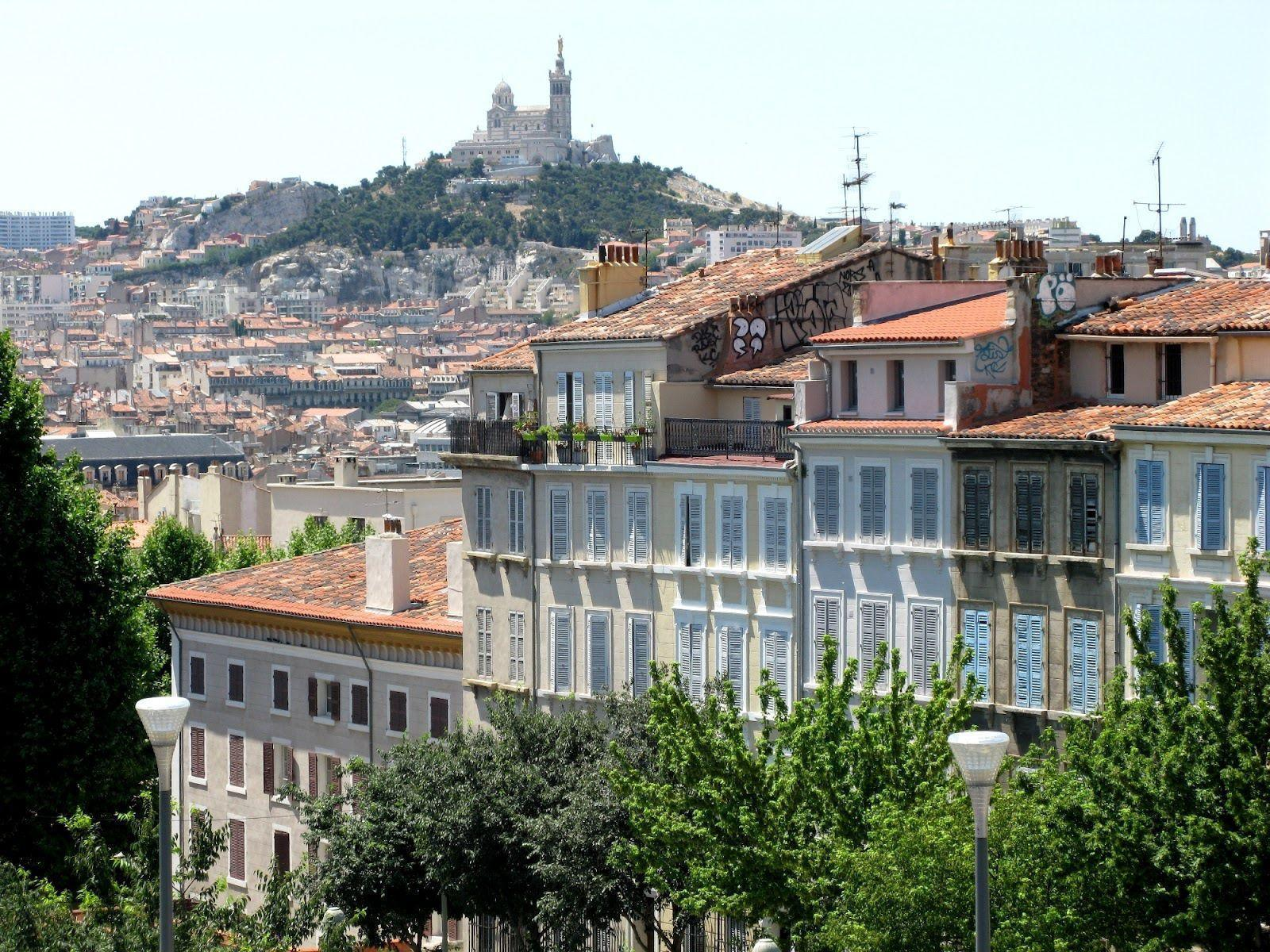 House against the hill in Marseille, France wallpapers and image