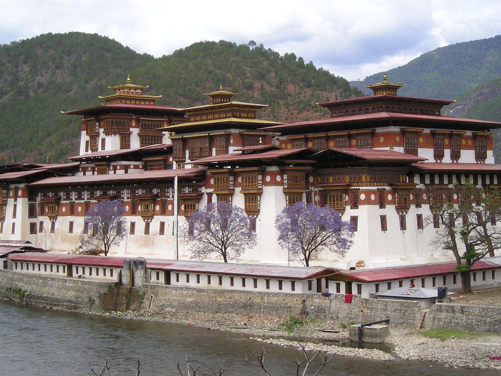 Kingdom of Bhutan) – Land of the Thunder Dragon | free download ...