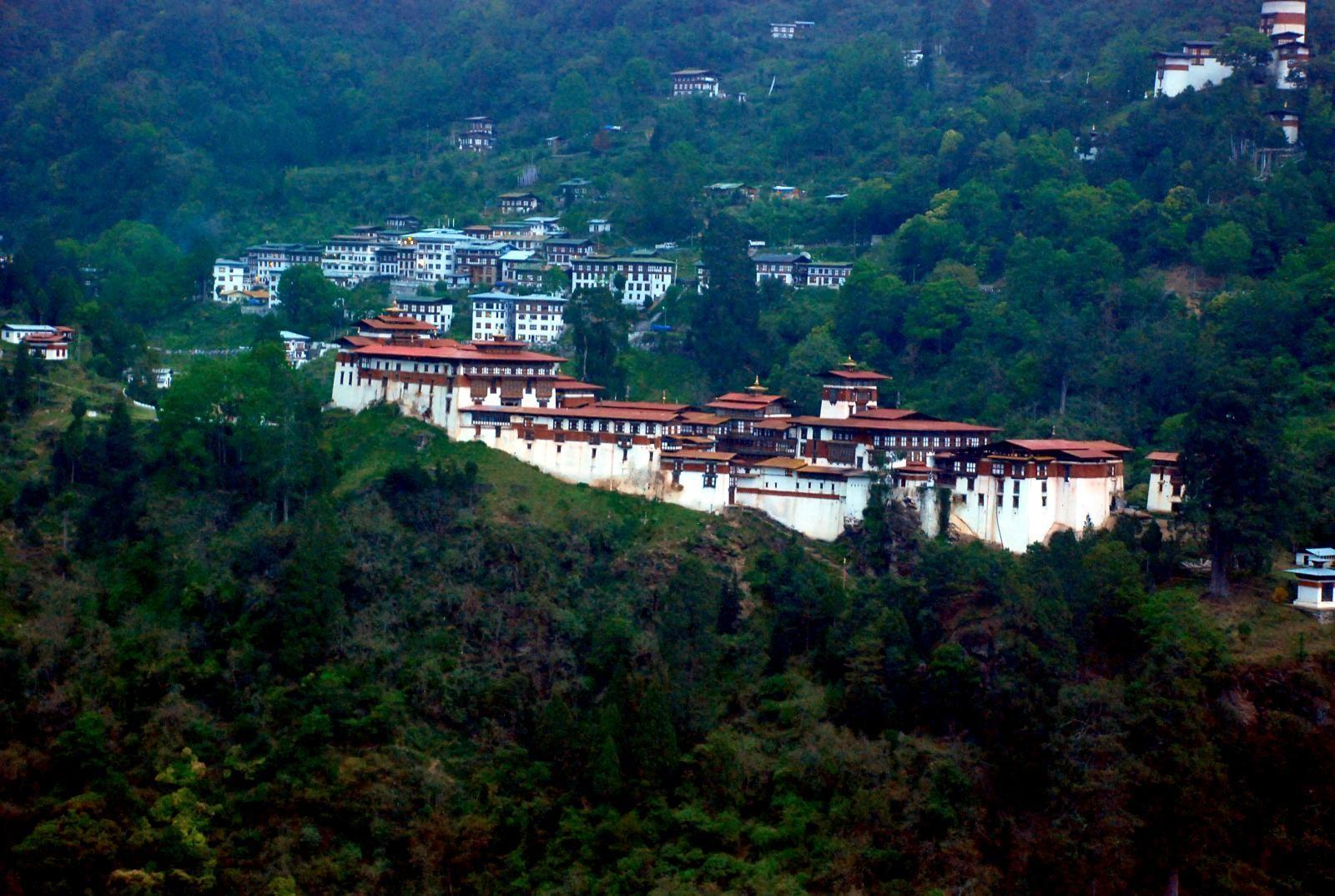 bhutan houses in the forest | HD Windows Wallpapers