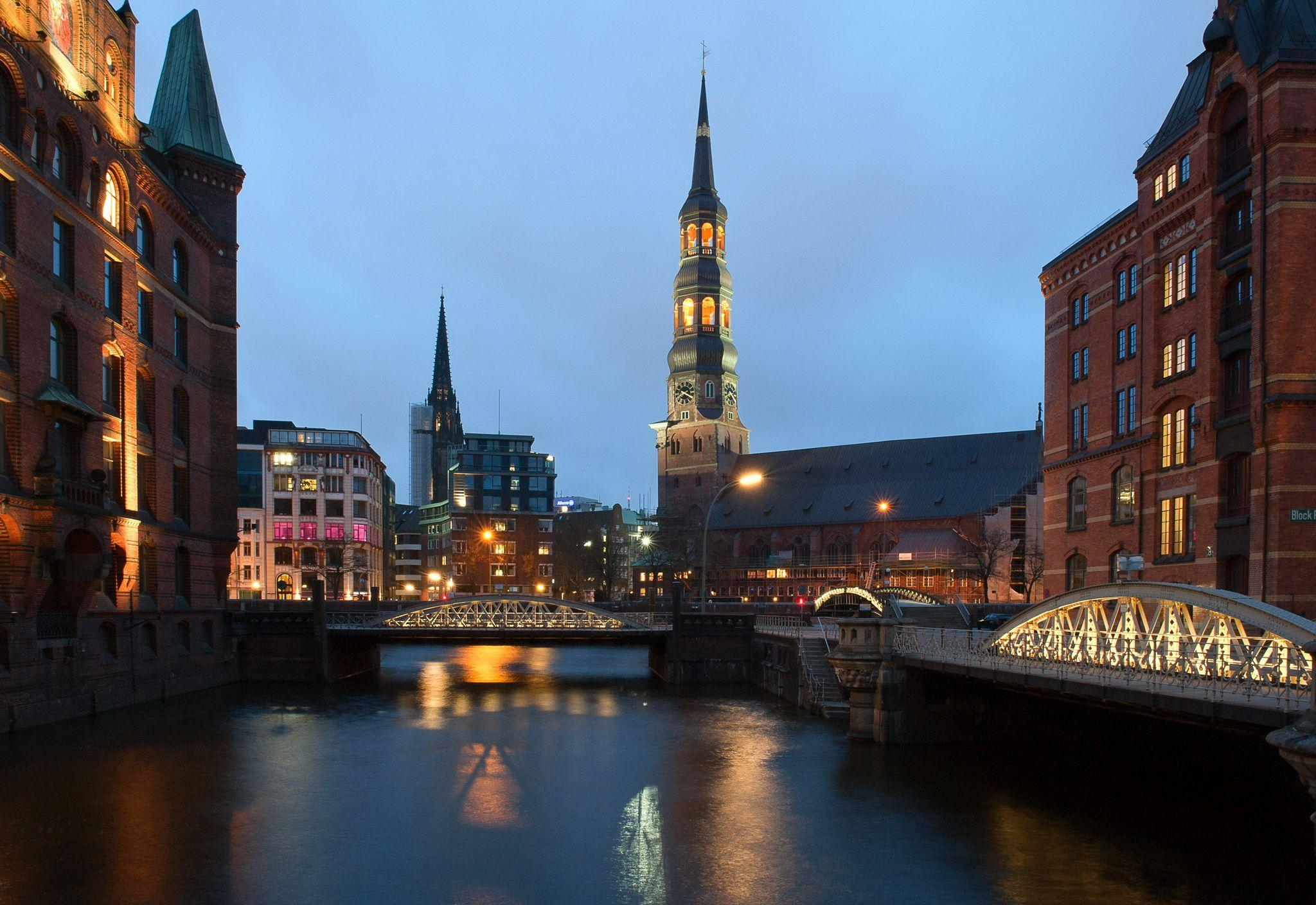 Picture Hamburg Germany Tower Bridges Night Rivers Cities 2048x1408