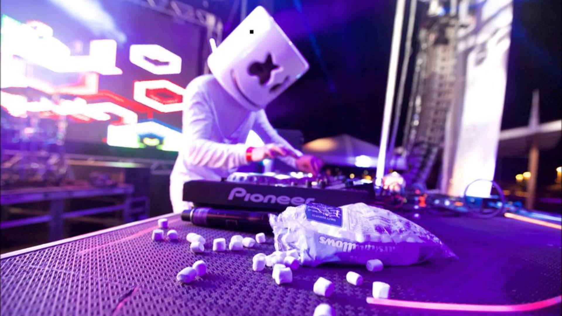 261 best Marshmello images on Pinterest | Dj, Celebrities and ...