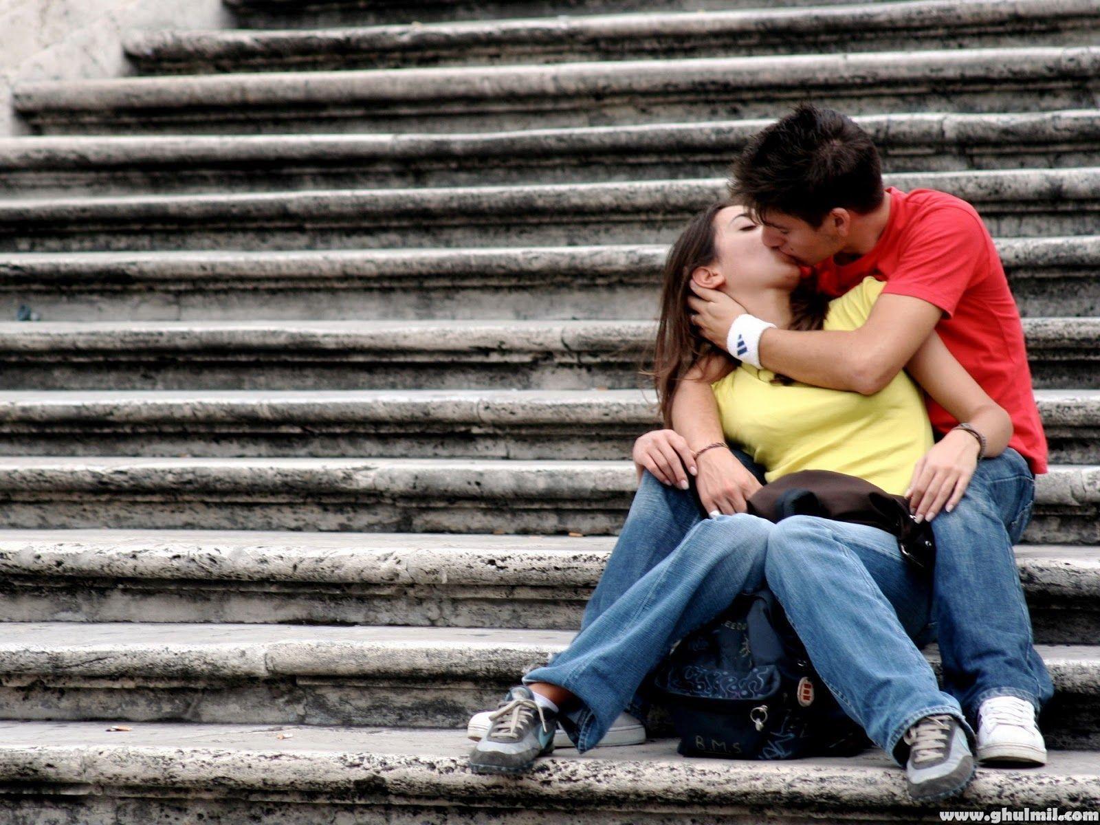 Lovely Kiss Wallpaper - WallpaperSafari