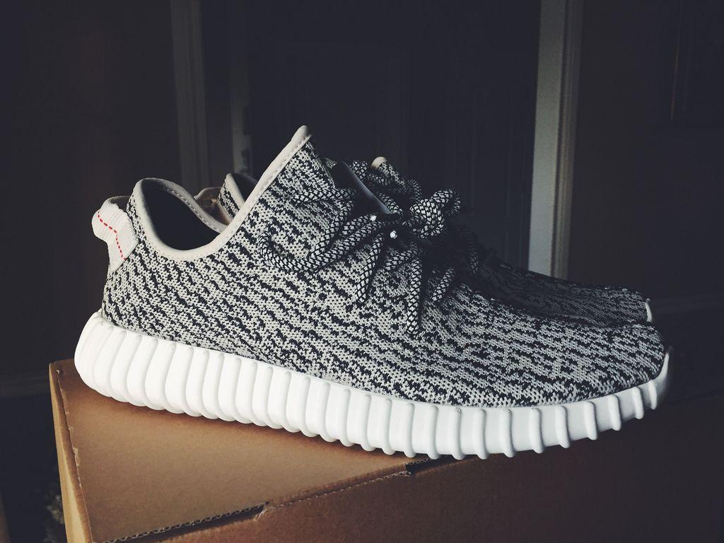 Product Features The adidas Yeezy Boost 350 was the second silhouette to emerge from the