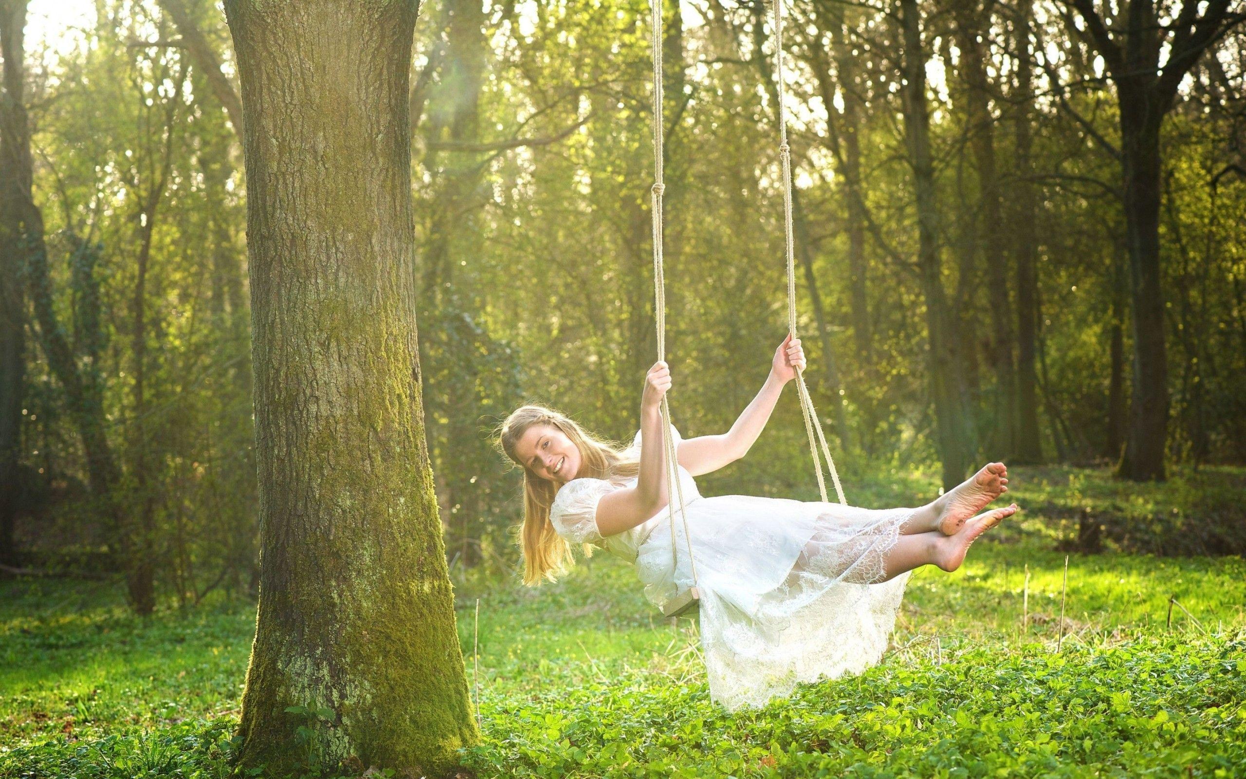 Happy Girl on Swing HD Wallpaper | Swinging Chicas | Pinterest ...