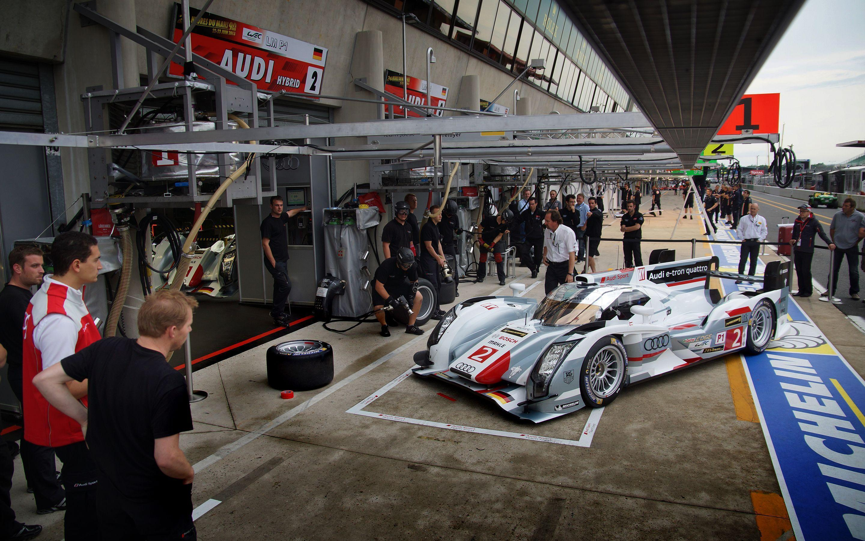 WotD: Pit Practice at the 24 Hours of Le Mans - Fourtitude.com