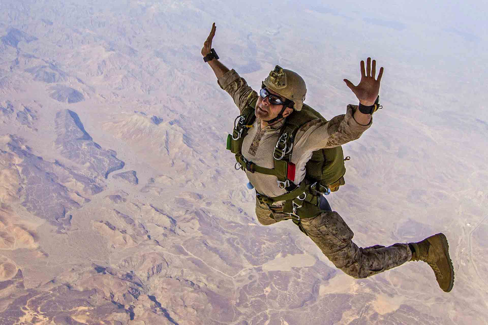 Soldiers Skydiving Latest HD Wallpapers Free Download | New HD ...