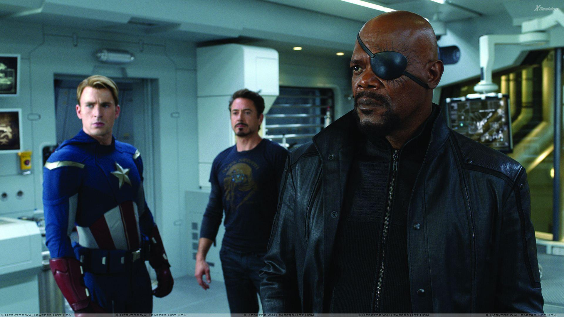 The Avengers – Samuel L. Jackson As Nick Fury Gun In Hand Wallpapers