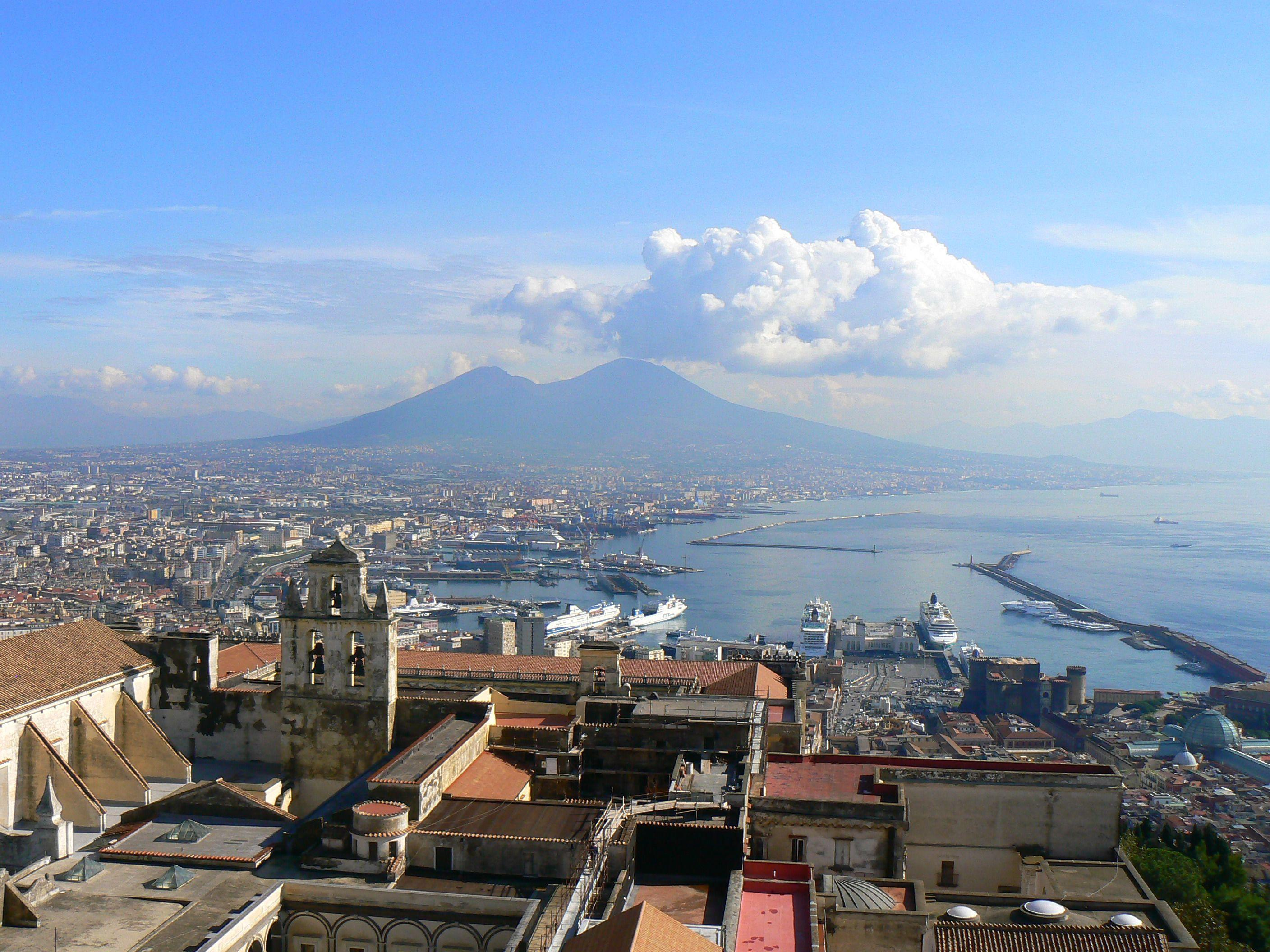 Clouds over the city of Naples, Italy wallpapers and images ...