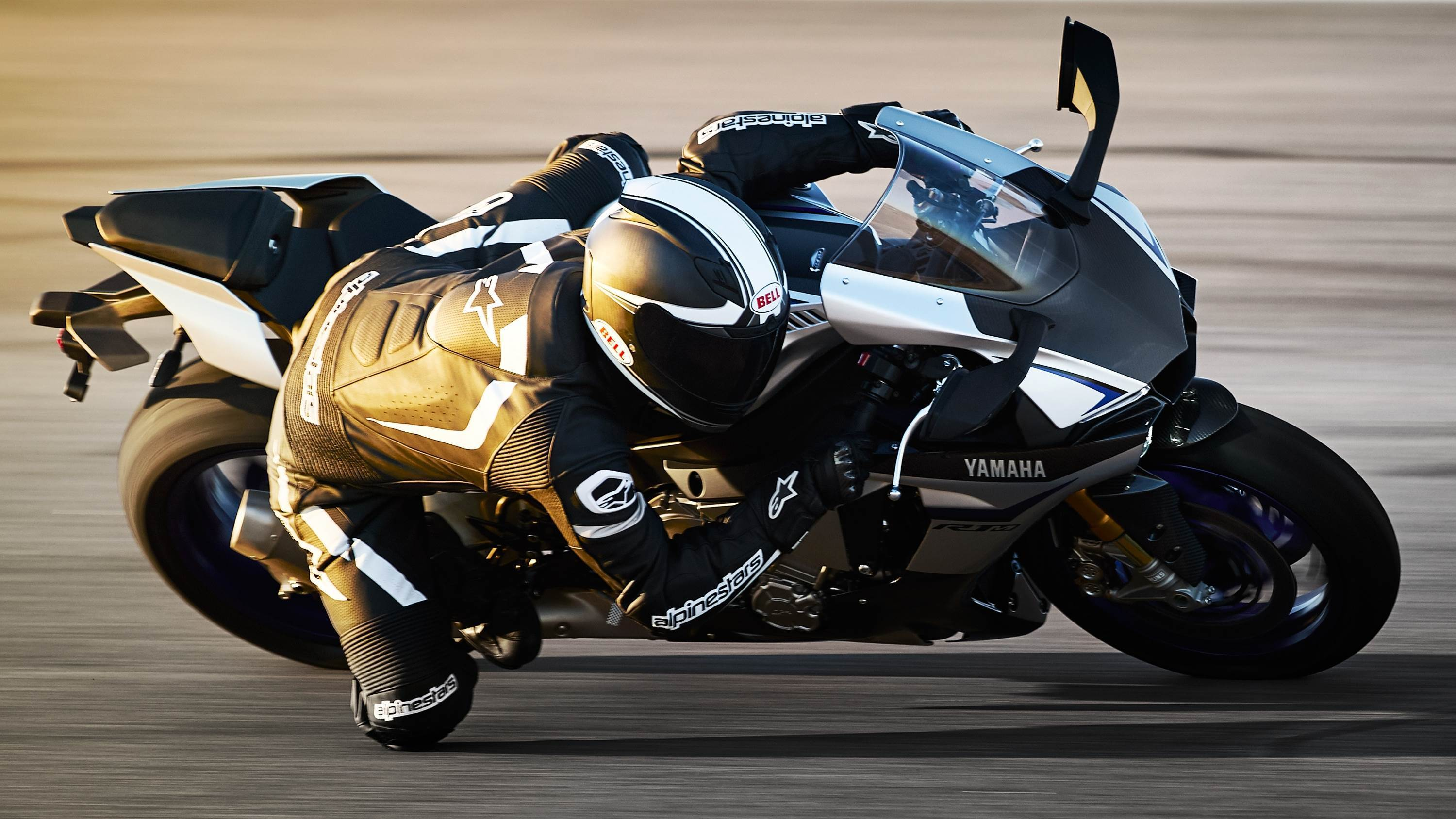 Yamaha YZF-R1M Wallpapers