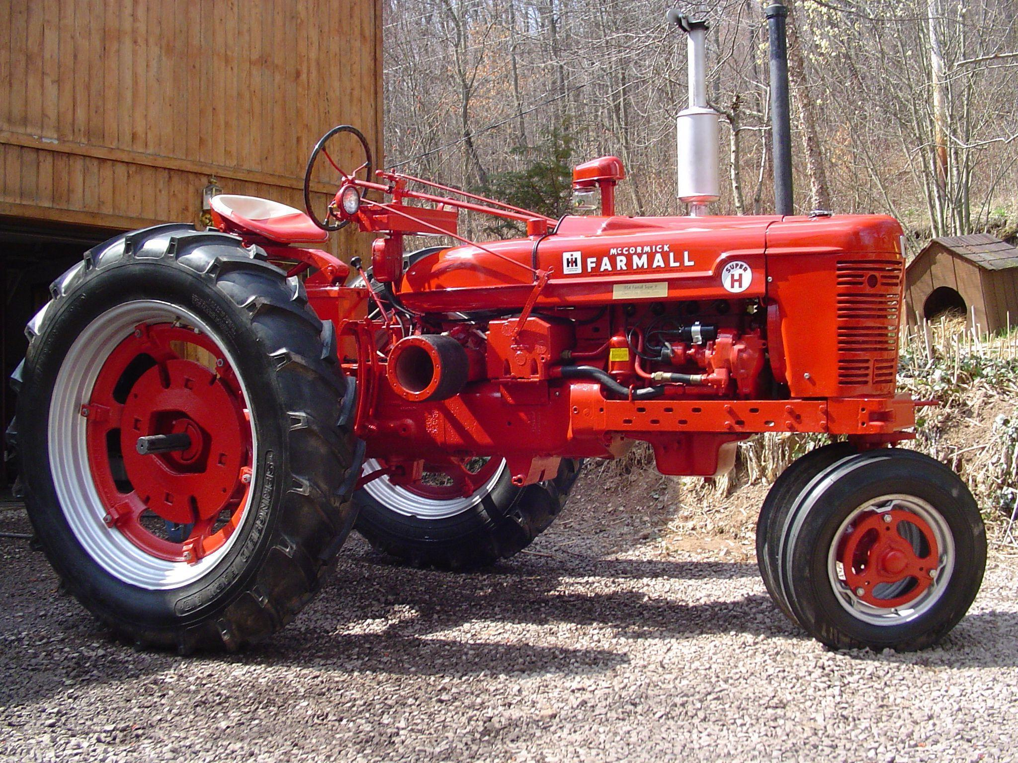 138 best images about I'm Liking The Farmall Tractor's!!! on ...