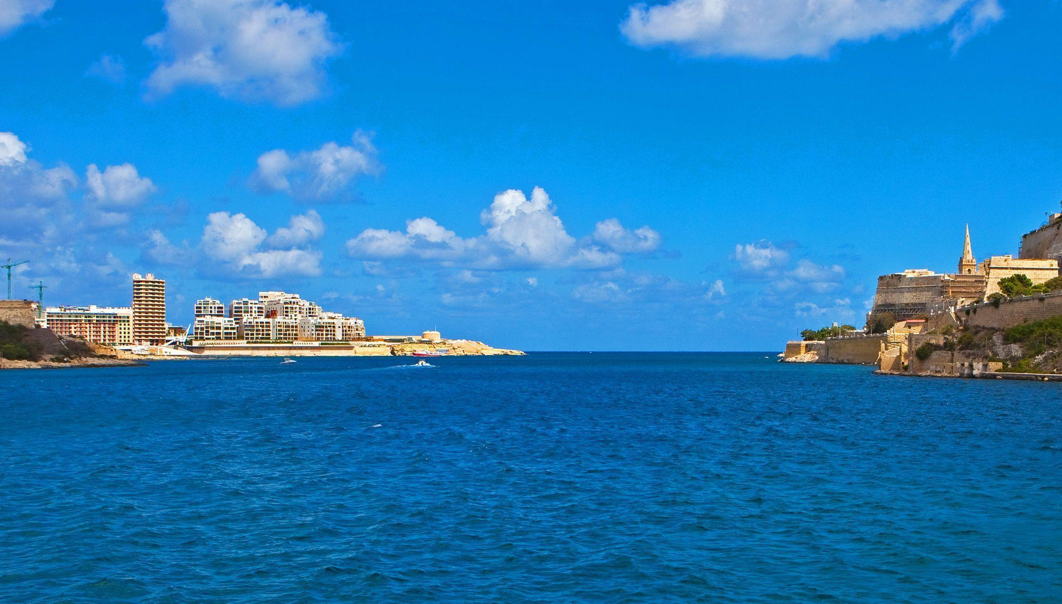 Pictures Malta Valletta Sea Sky Cities Houses 2110x1200