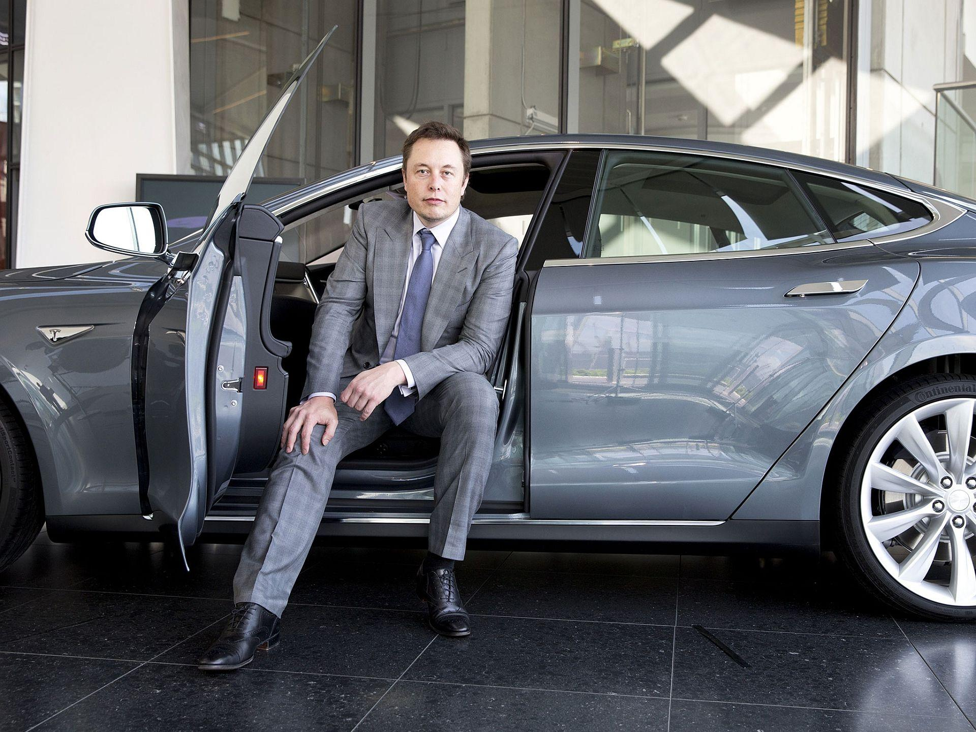 LOW OIL PRICES BAD FOR ELECTRIC CARS – MUSK