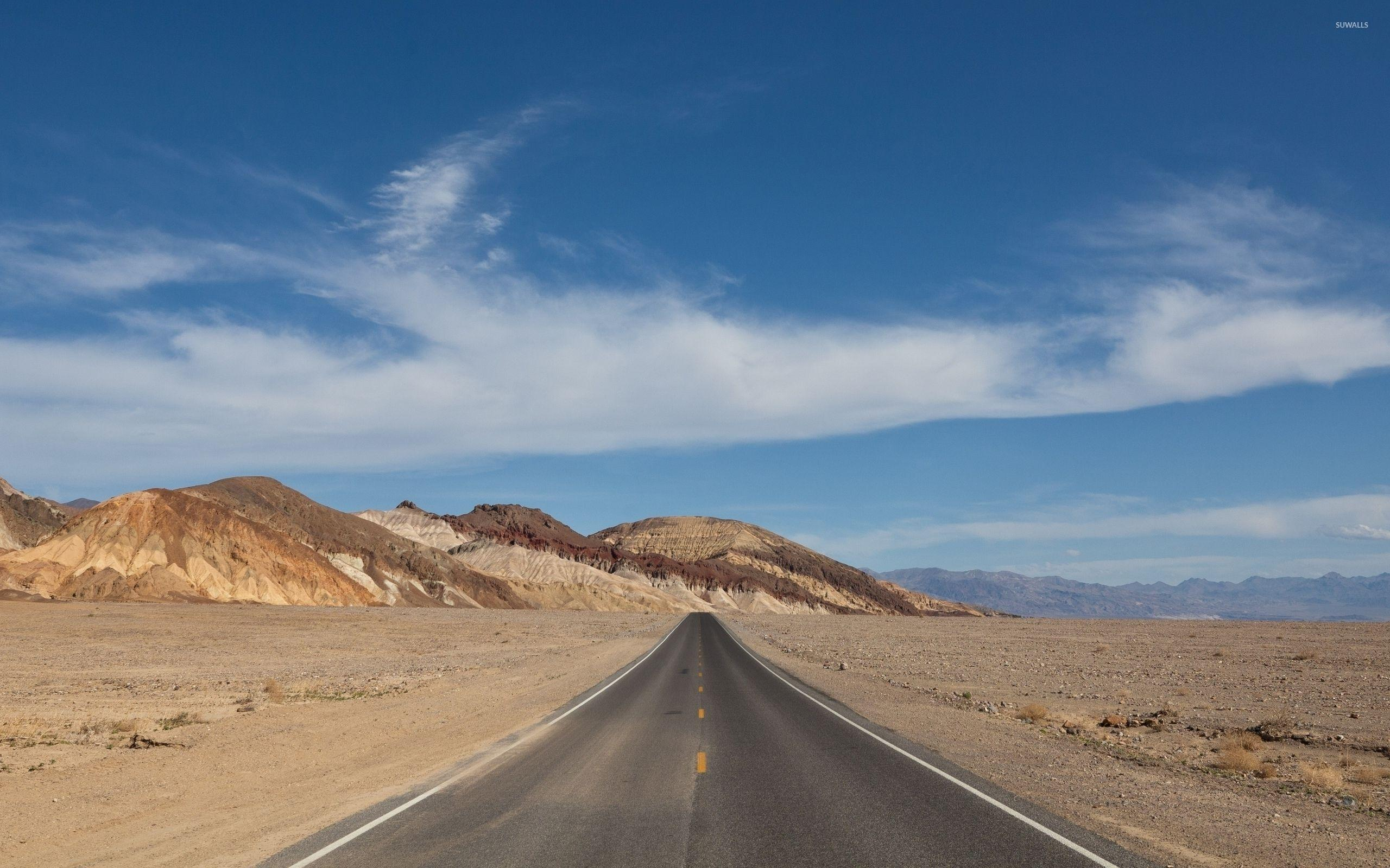 Road passing through Death Valley National Park wallpapers