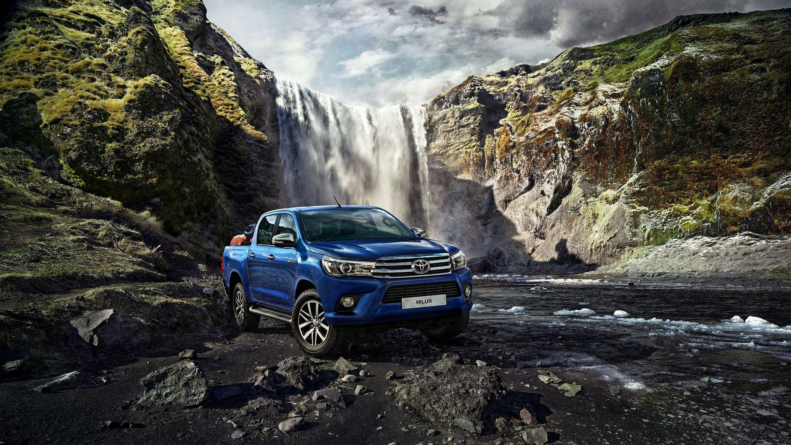 2015 Toyota Hilux Wallpapers