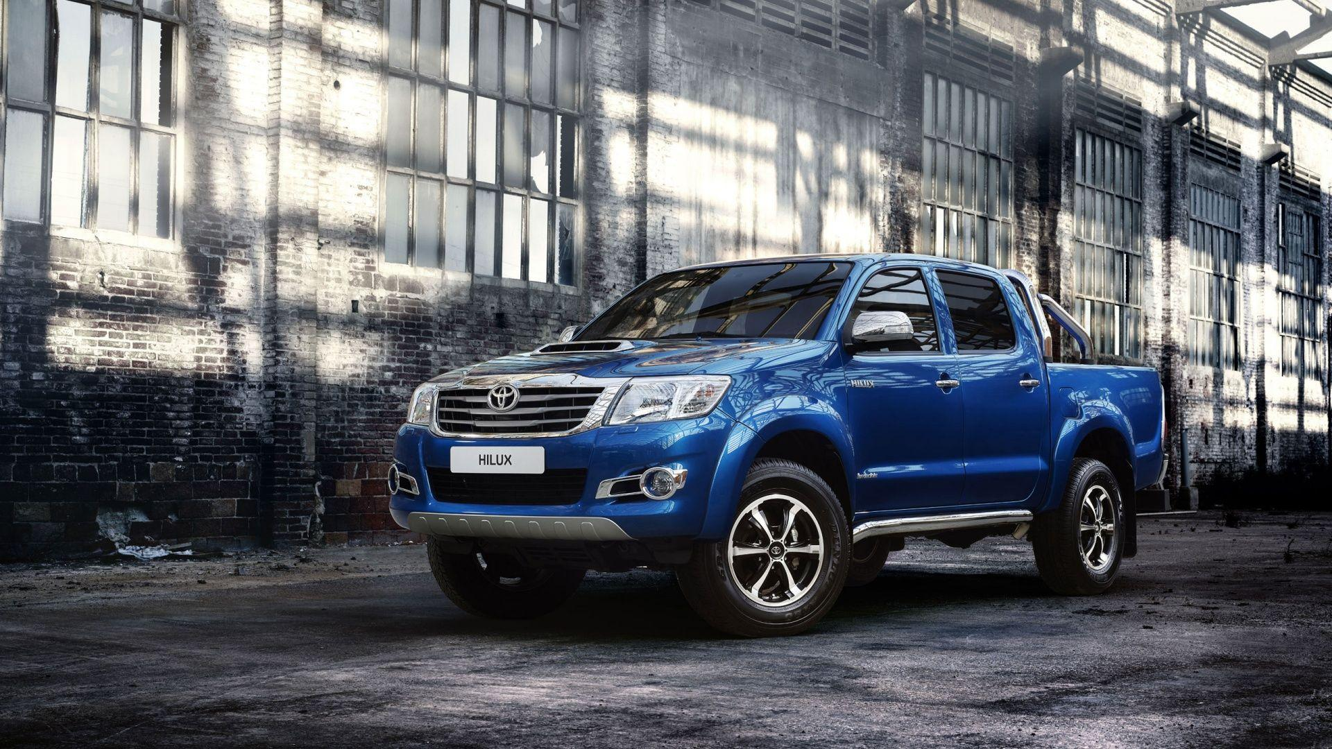 2014 Toyota Hilux Invincible Wallpapers