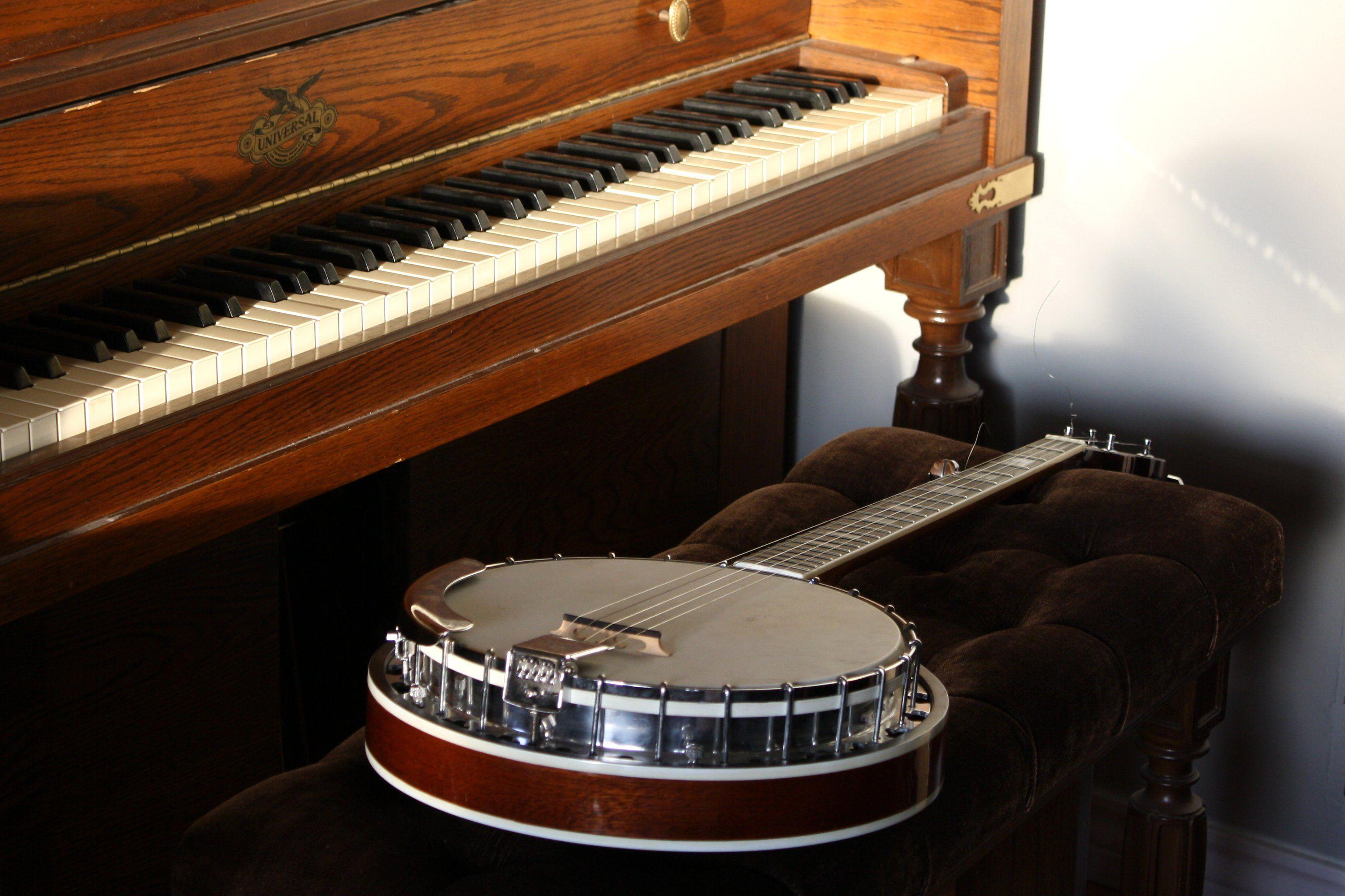Piano and Banjo Picture | Free Photograph | Photos Public Domain