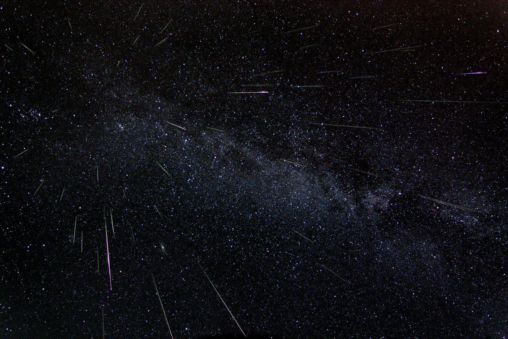Meteor Shower Wallpaper - WallpaperSafari