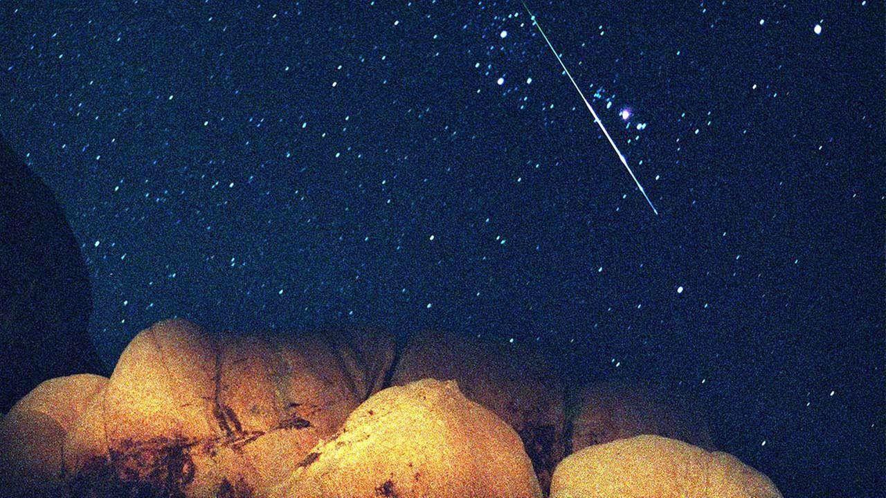 Meteor Shower Wallpapers - Wallpaper Cave  Meteor Shower W...