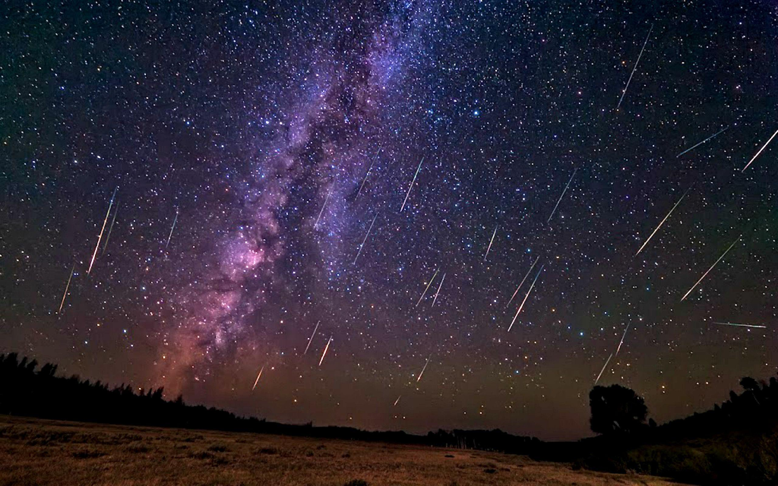 Real Meteor Shower From Earth - wallpaper.