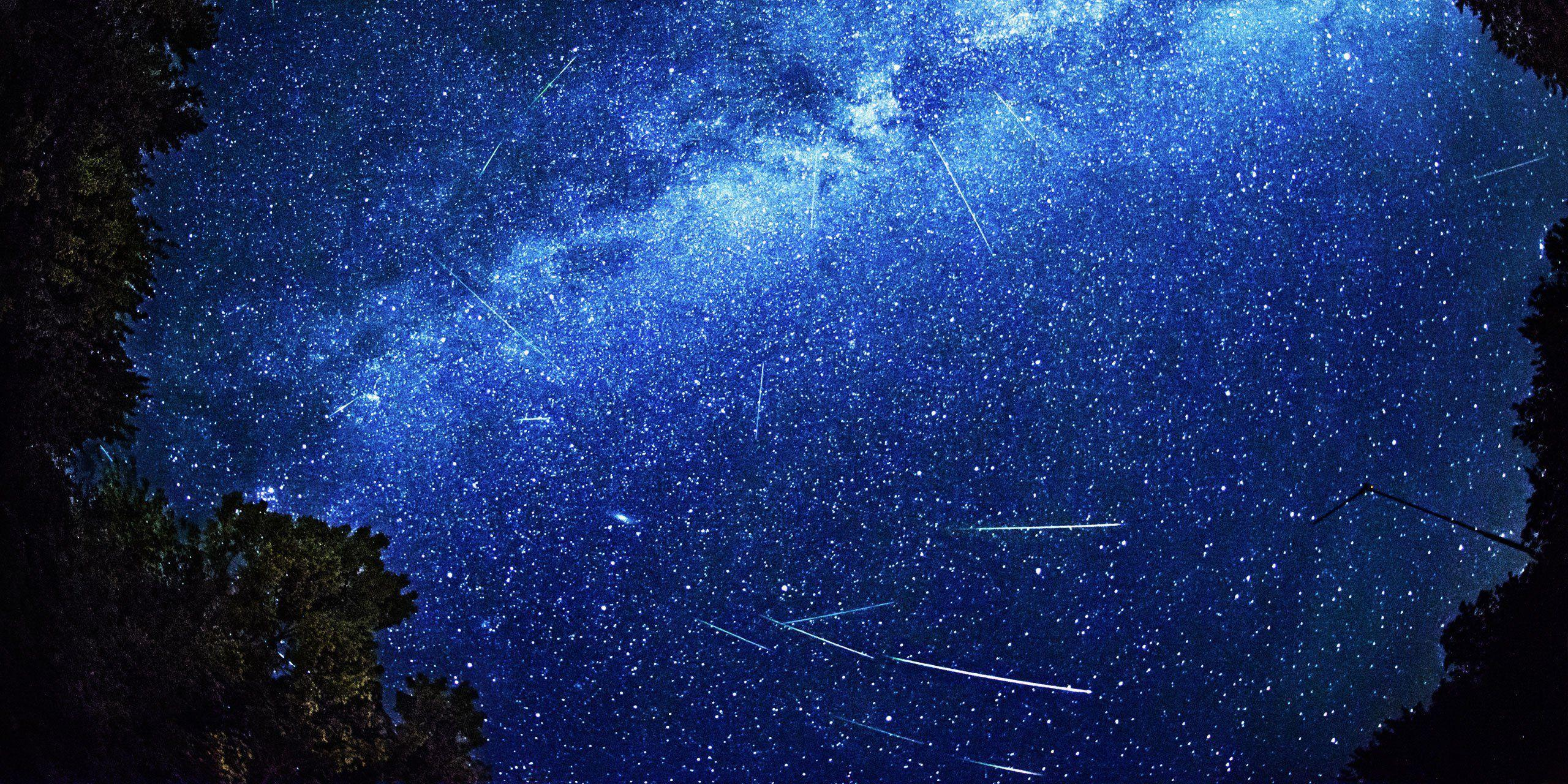 Perseid Meteor Shower Hd - wallpaper.