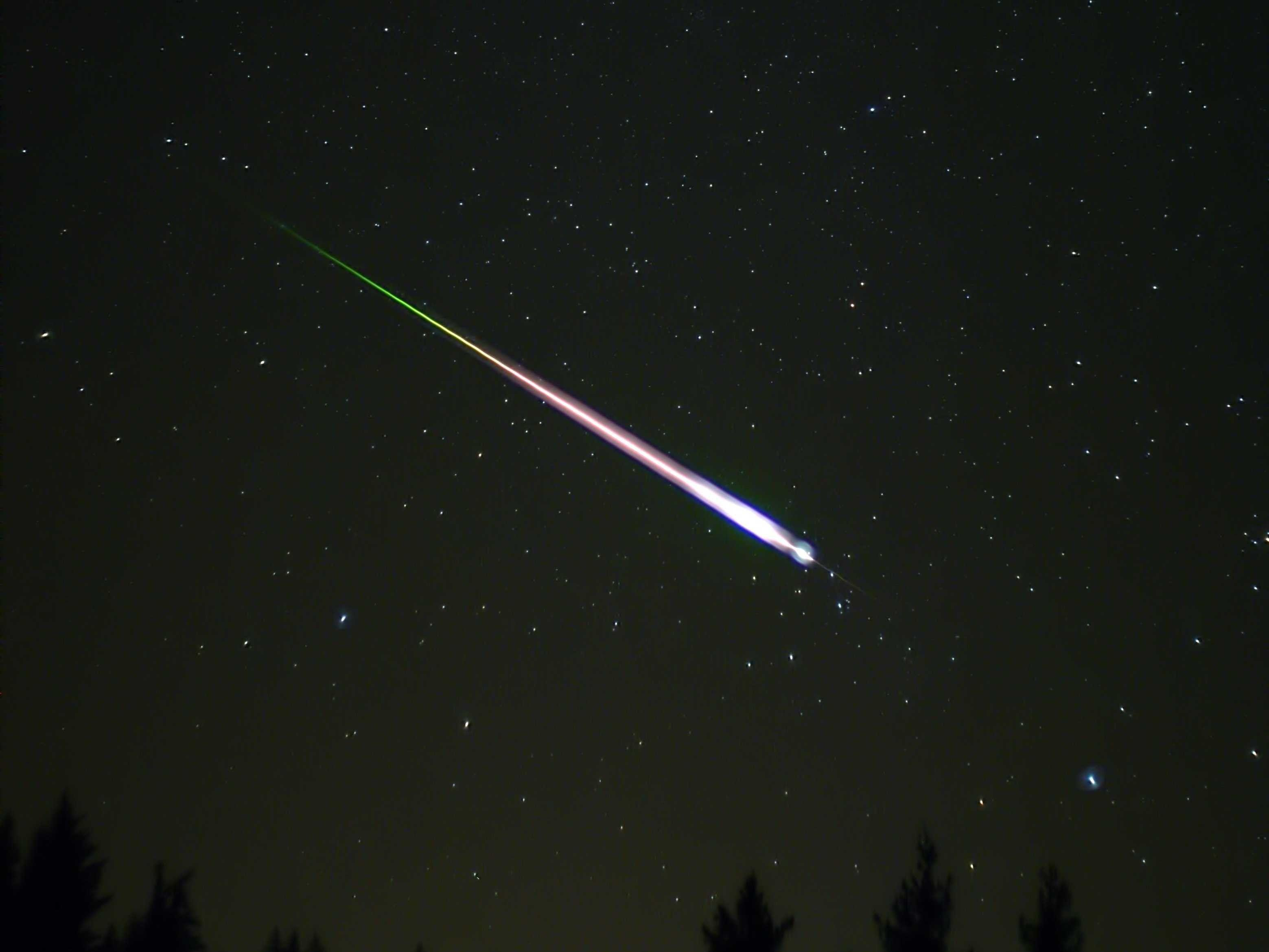 Real Meteor Shower Background - wallpaper.