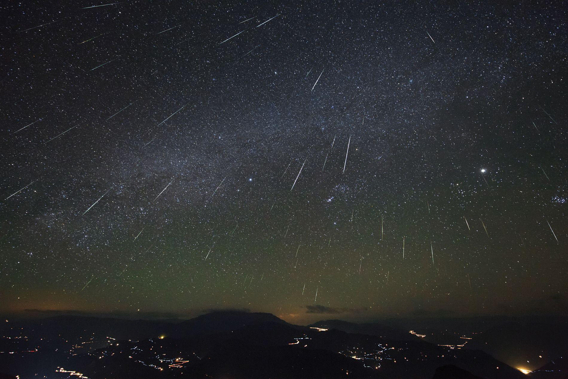Meteor Shower HD Wallpapers | Backgrounds