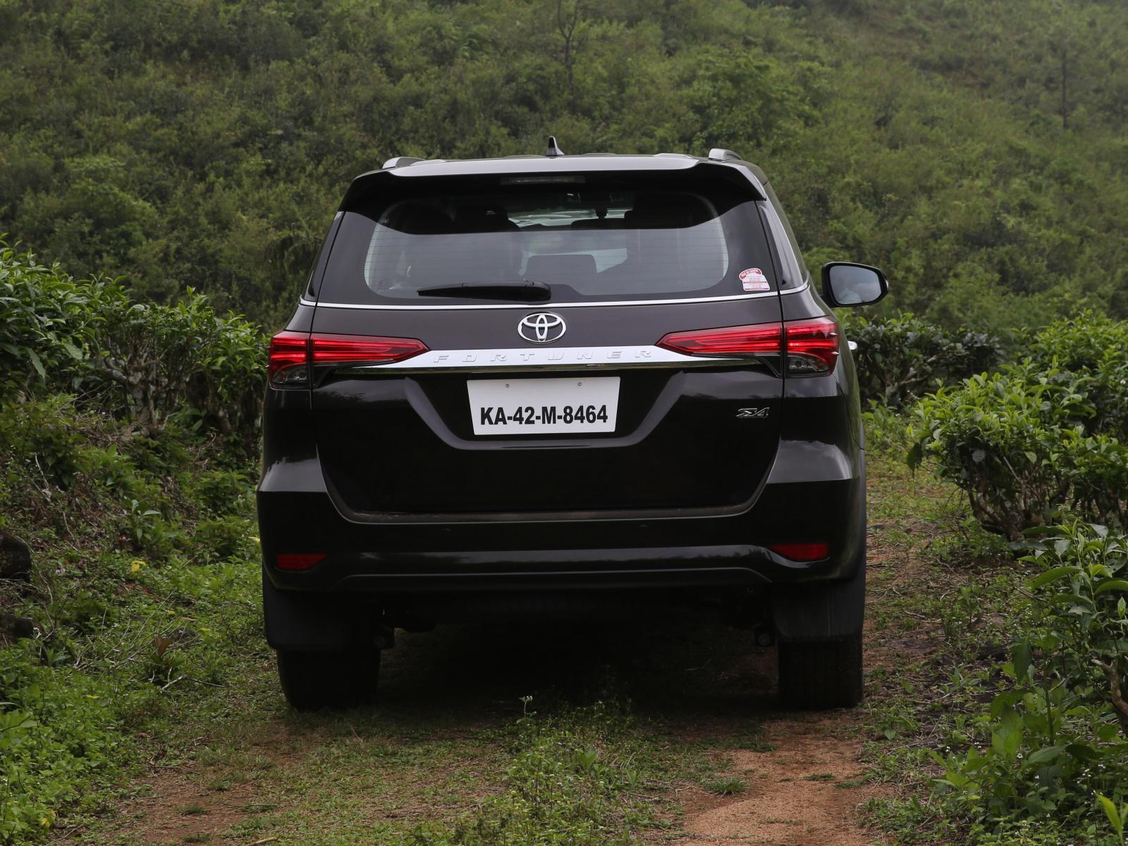 Toyota Fortuner wallpapers, free download