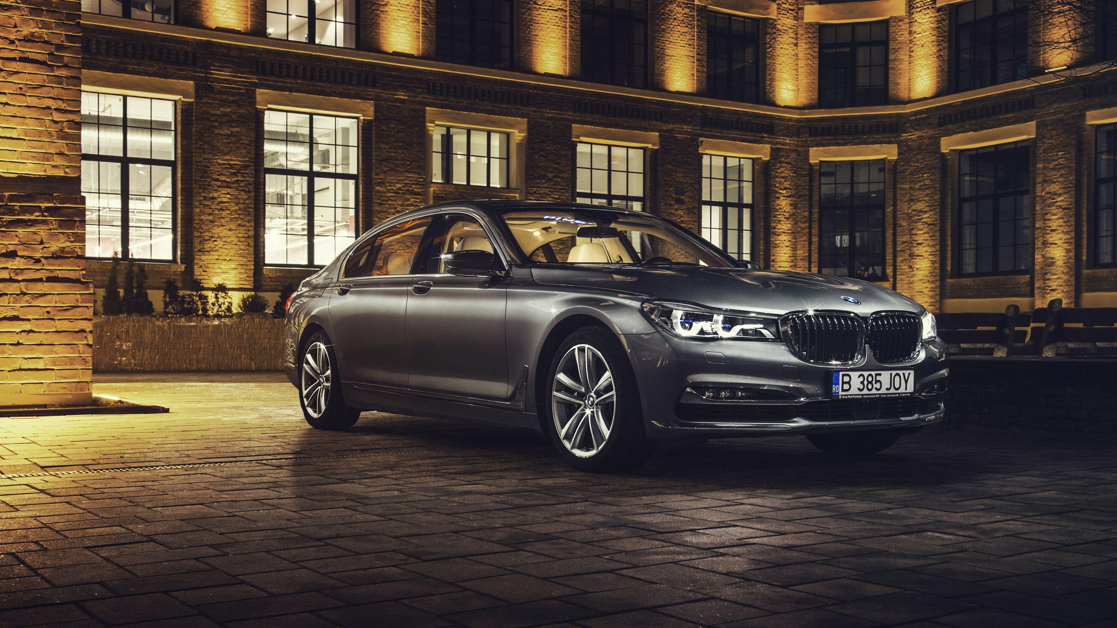 2017 BMW 7 Series Wallpapers