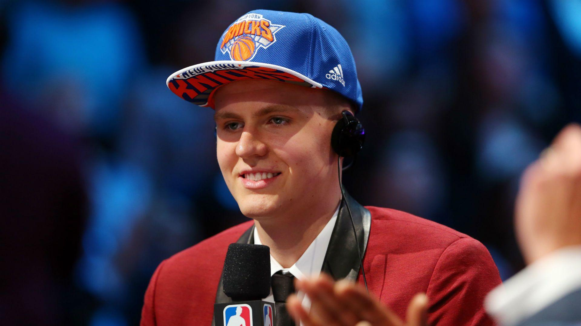 James Worthy says Kristaps Porzingis is mix of Kevin Durant, Dirk