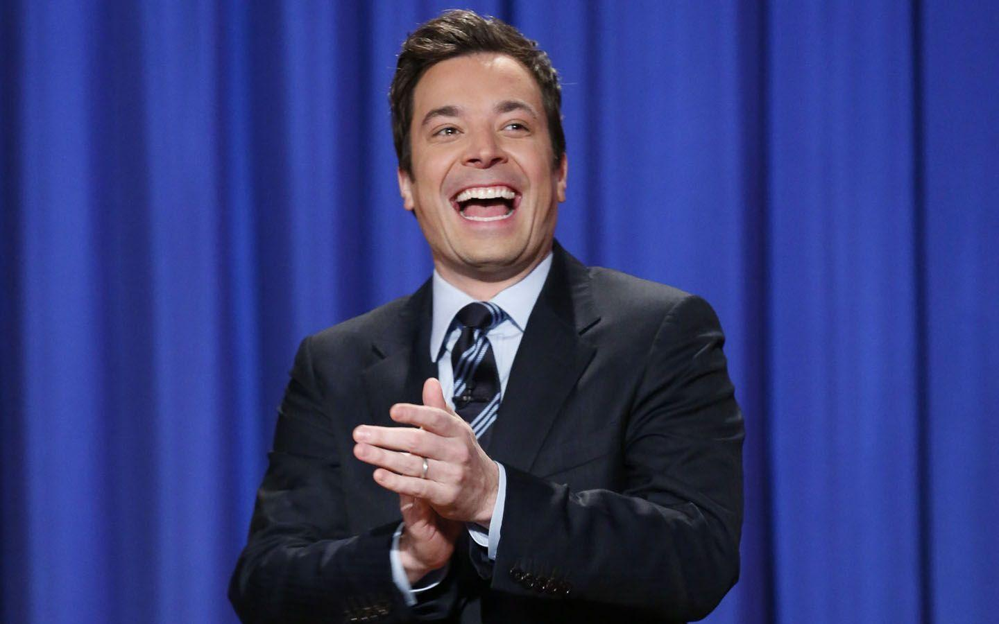 Jimmy Fallon laughing & clapping