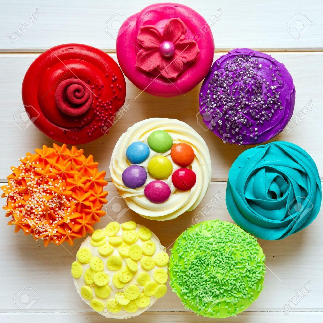 Cupcake Wallpaper: Rainbow Cupcakes Wallpapers