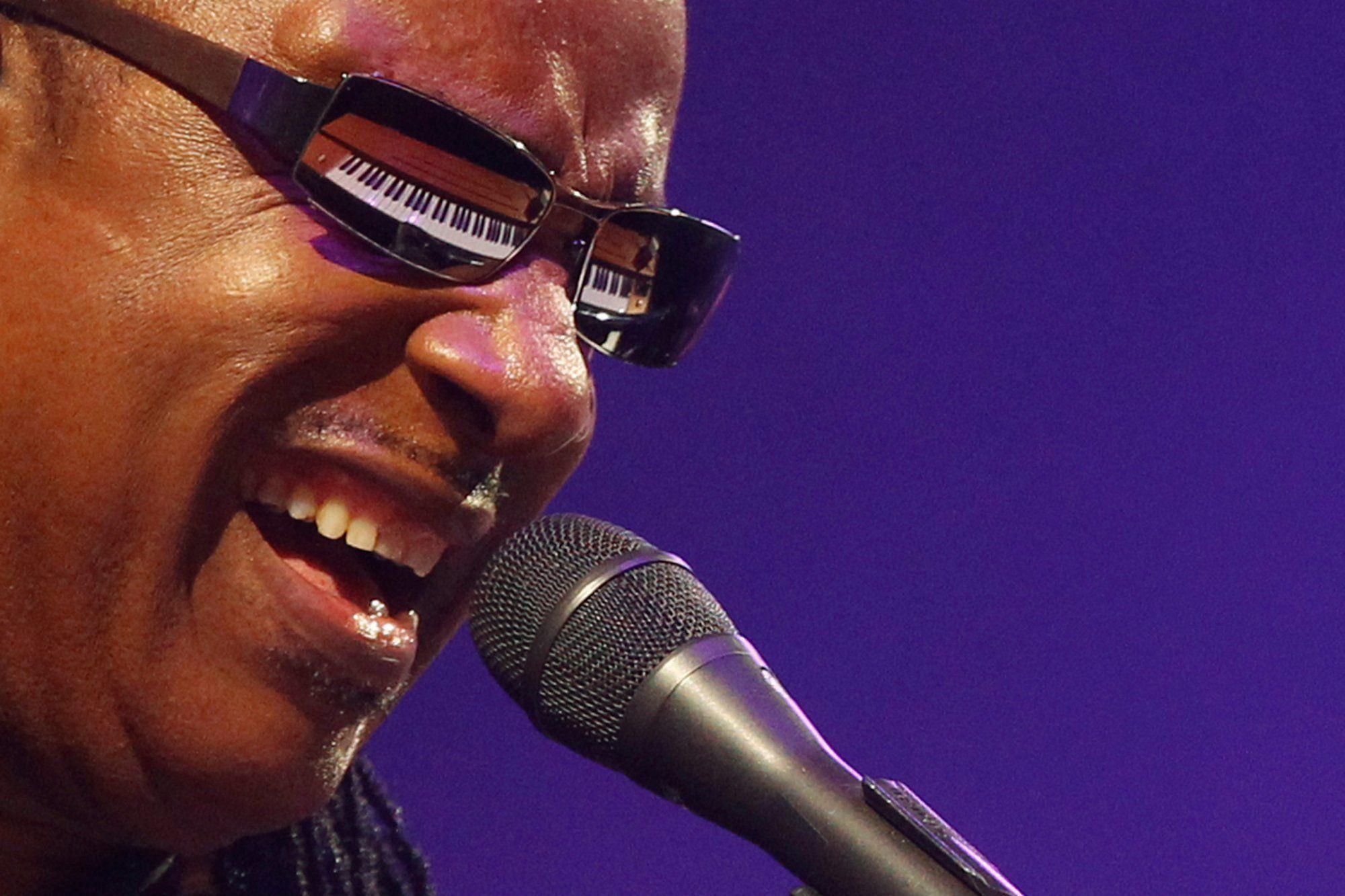 Stevie Wonder Wallpapers Image Photos Pictures Backgrounds