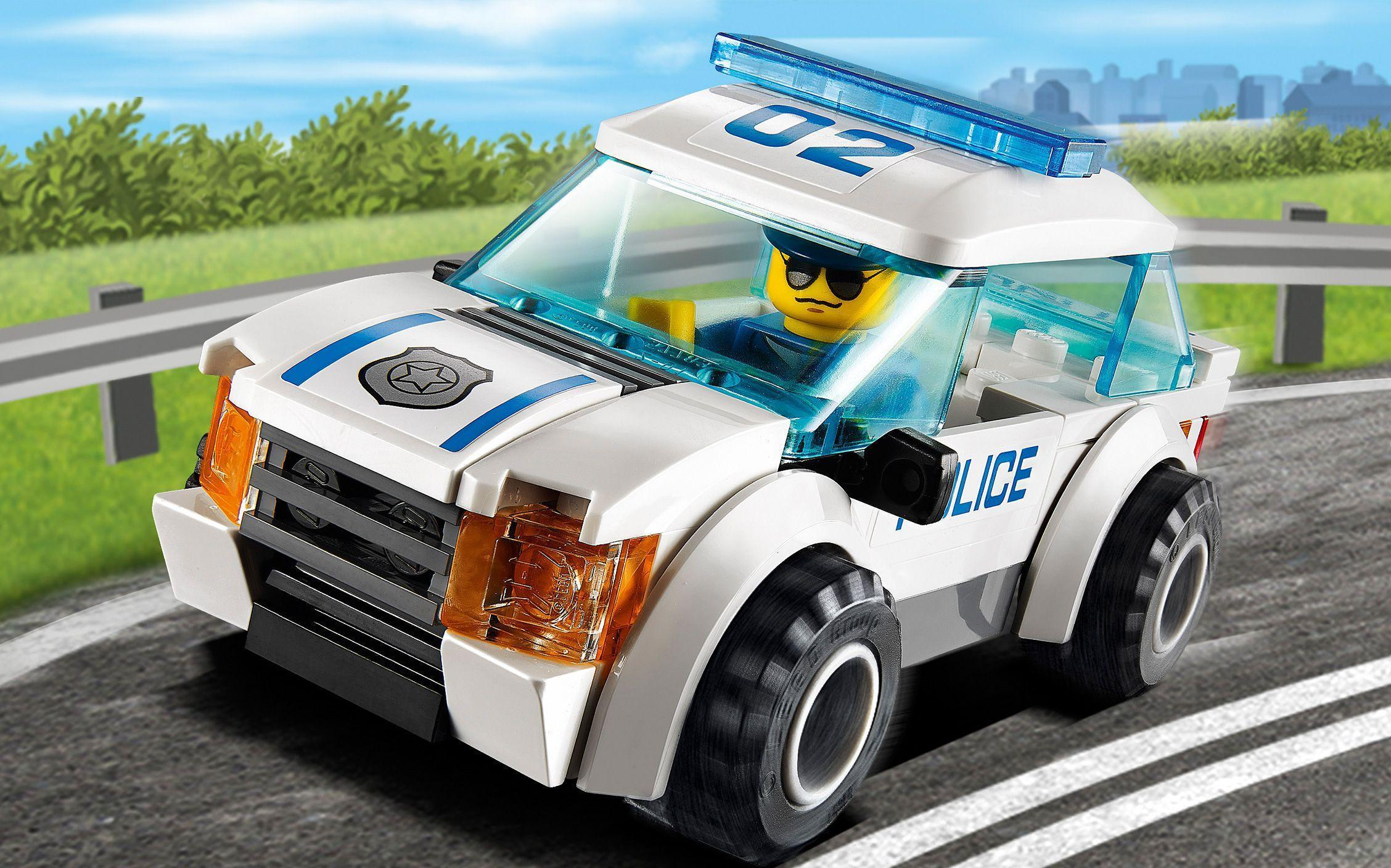 60042 High Speed Police Chase 1 - Wallpaper - LEGO® City ...