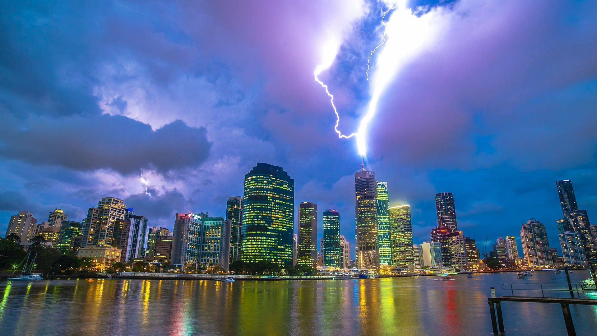 Lightning Catched Over Brisbane | Cool Wallpapers
