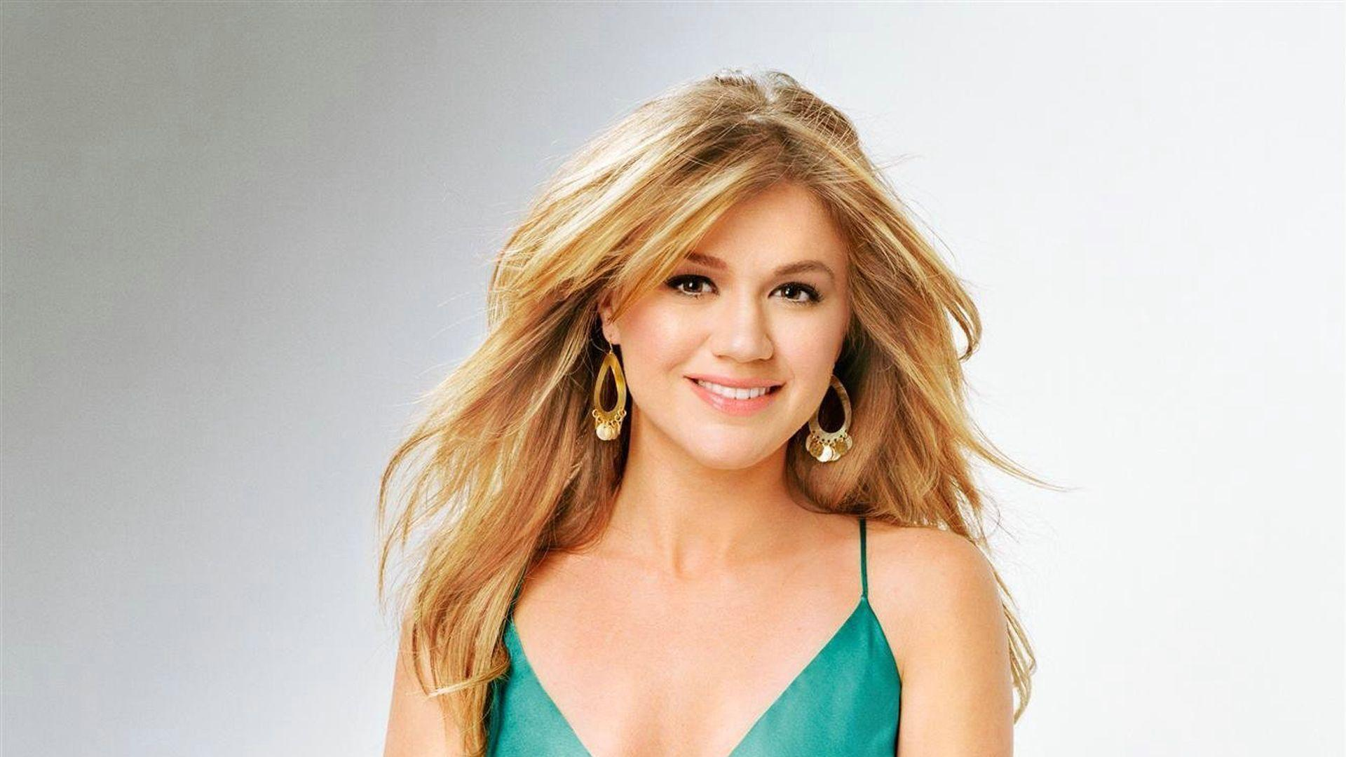 Kelly Clarkson Wallpapers Image Photos Pictures Backgrounds