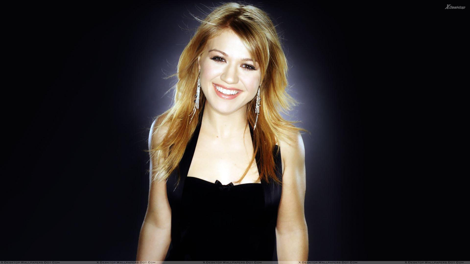 Kelly Clarkson Wallpapers, Photos & Image in HD