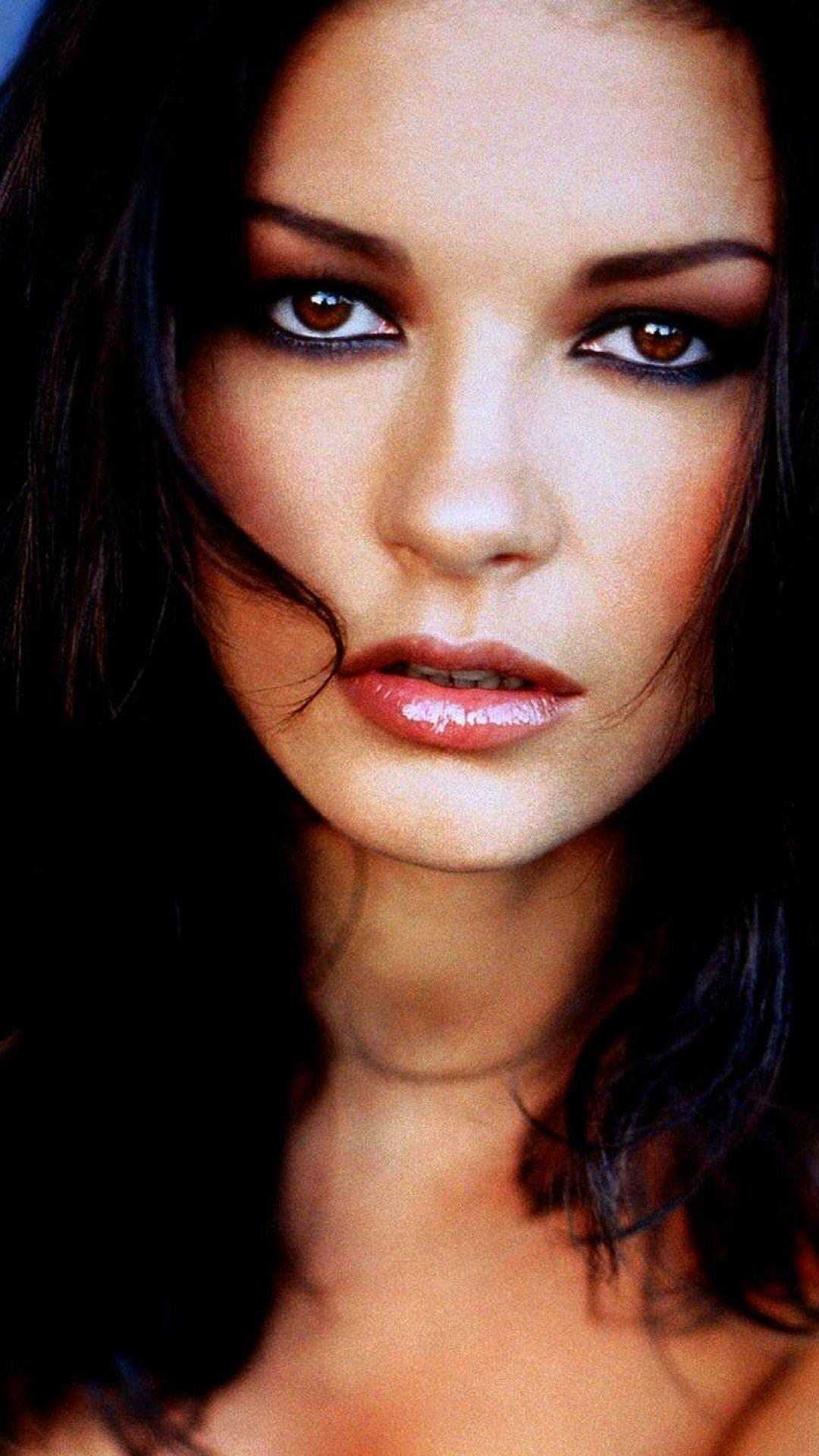 Catherine Zeta Jones iPhone Wallpapers