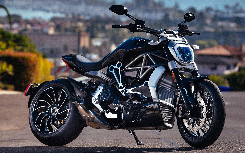 Ducati Diavel Titanium Top