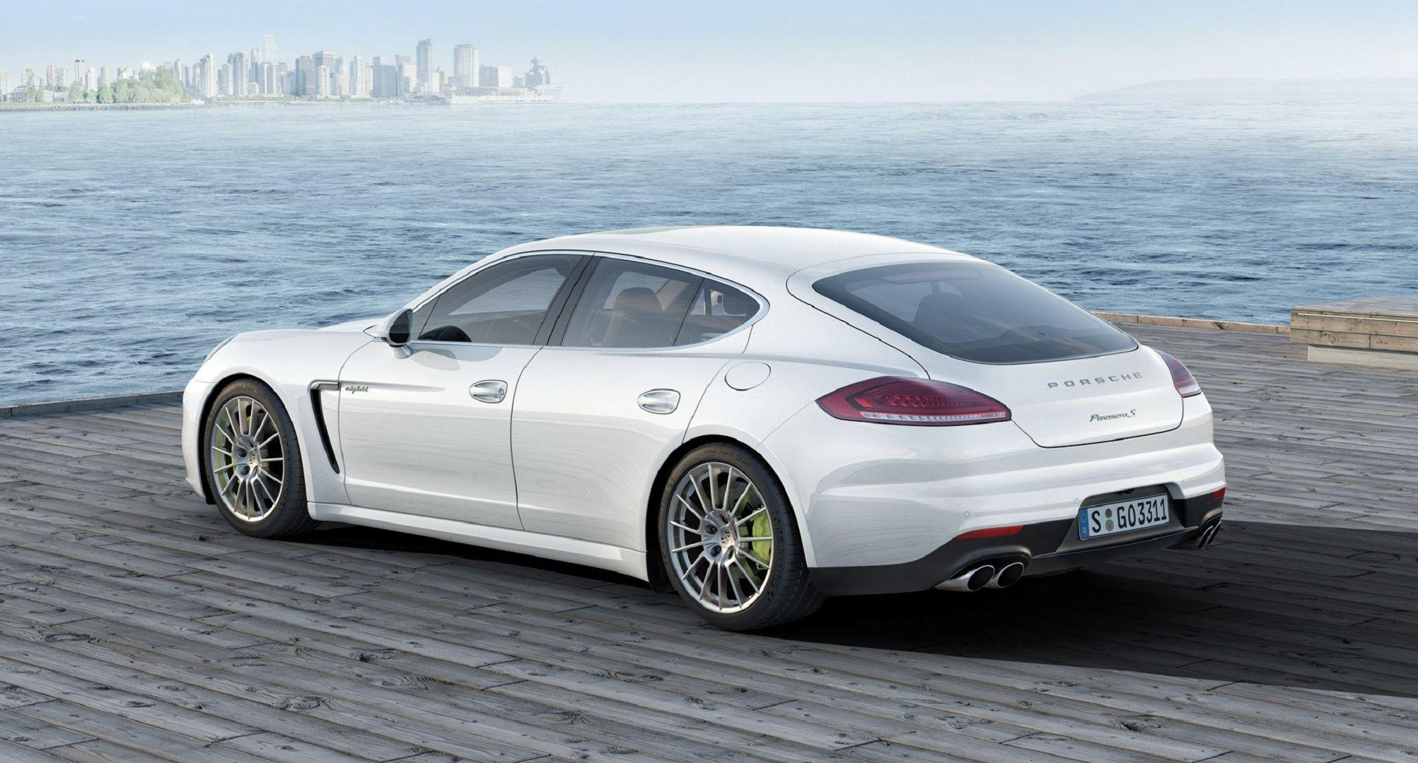 Porsche Panamera Wallpapers Images Photos Pictures Backgrounds