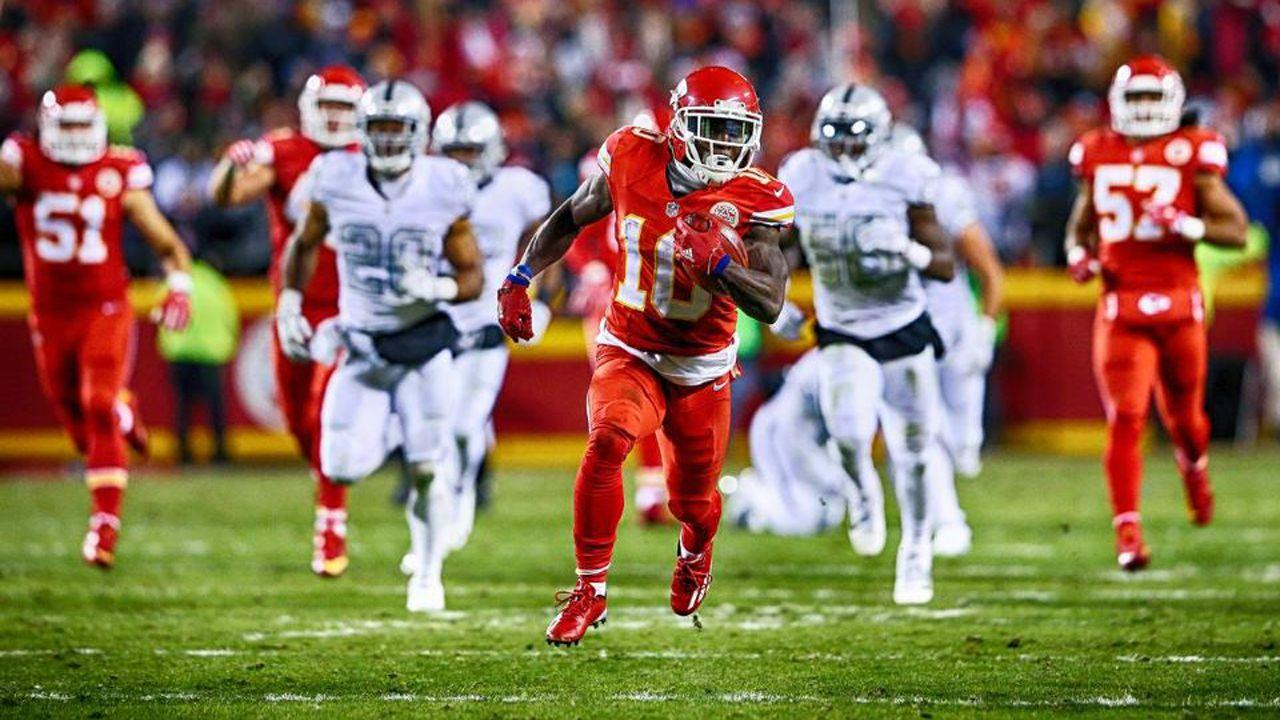 "Alex Smith on Tyreek Hill: ""He makes it easy to stay aggressive"""