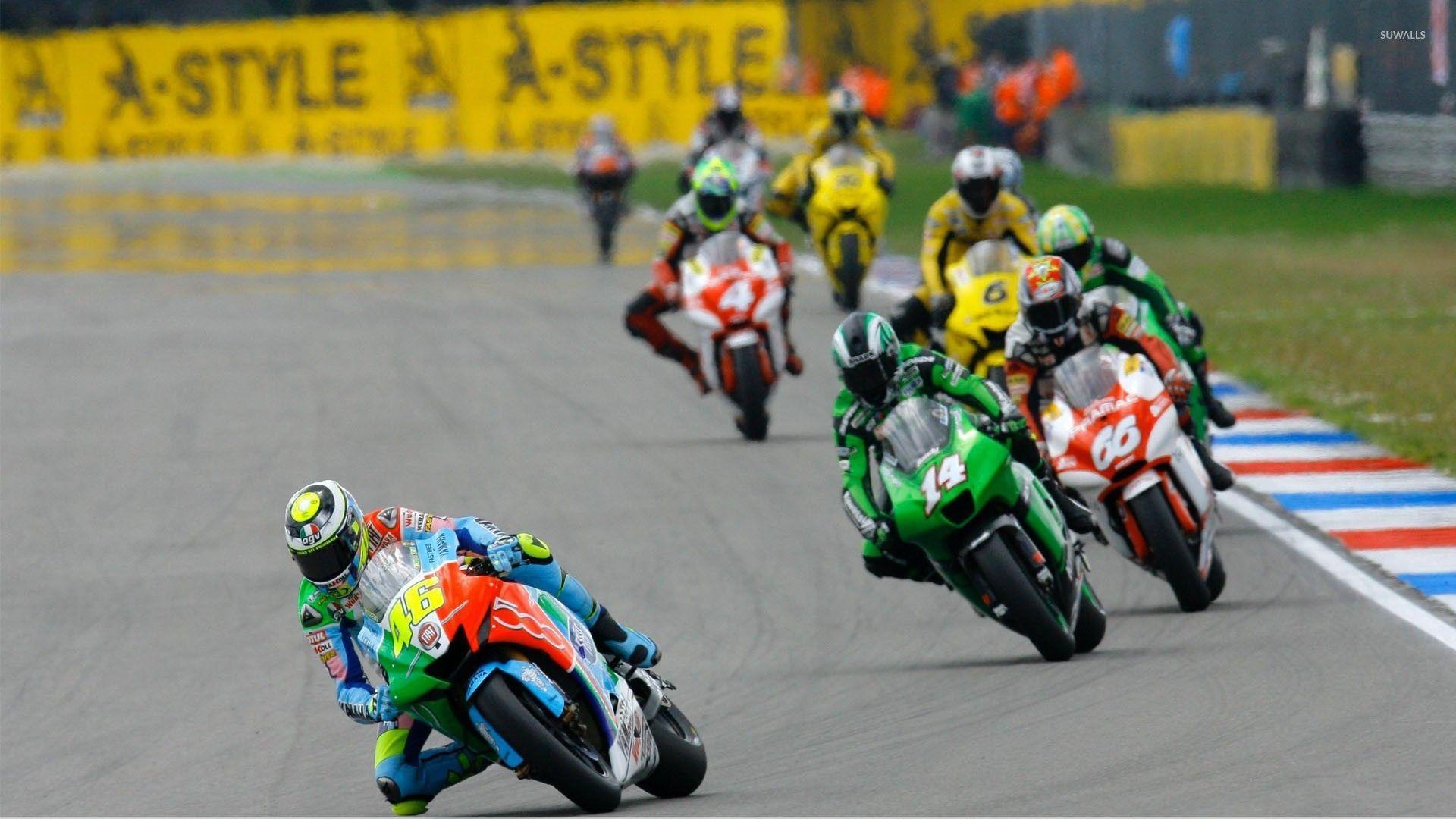 Motorcycle Racing On The Sand Suzuki Hd Desktop Mobile: Racing Bike Wallpapers