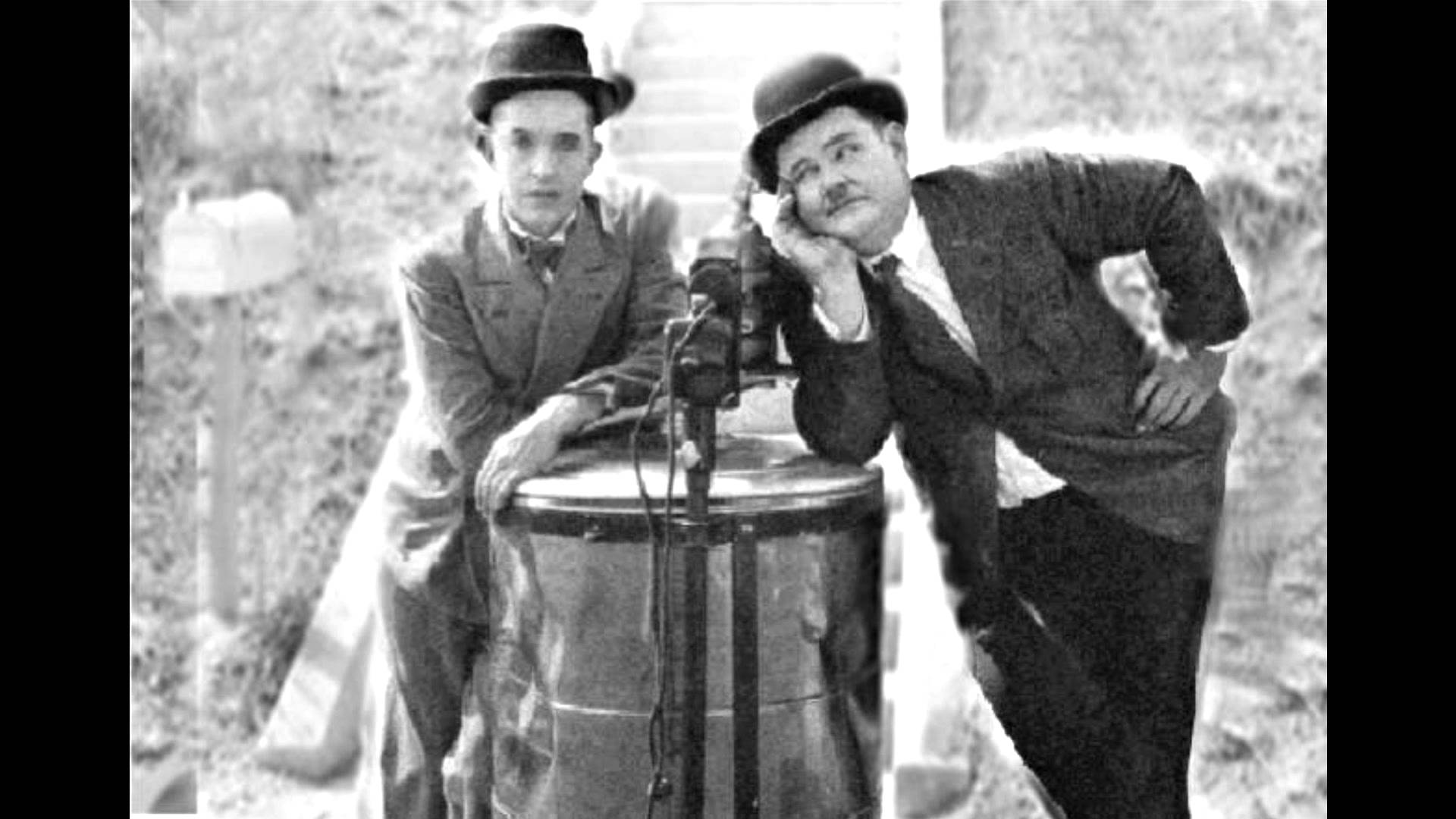 "Laurel and Hardy in ""Hat's Off"""