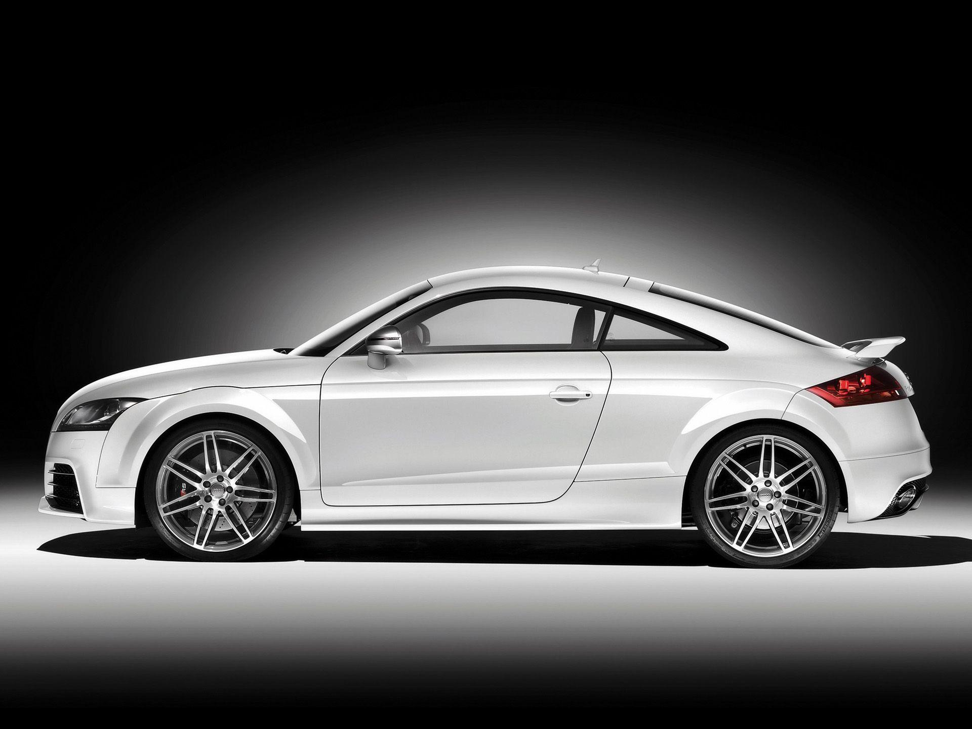 Audi TT RS side wallpapers | Audi TT RS side stock photos