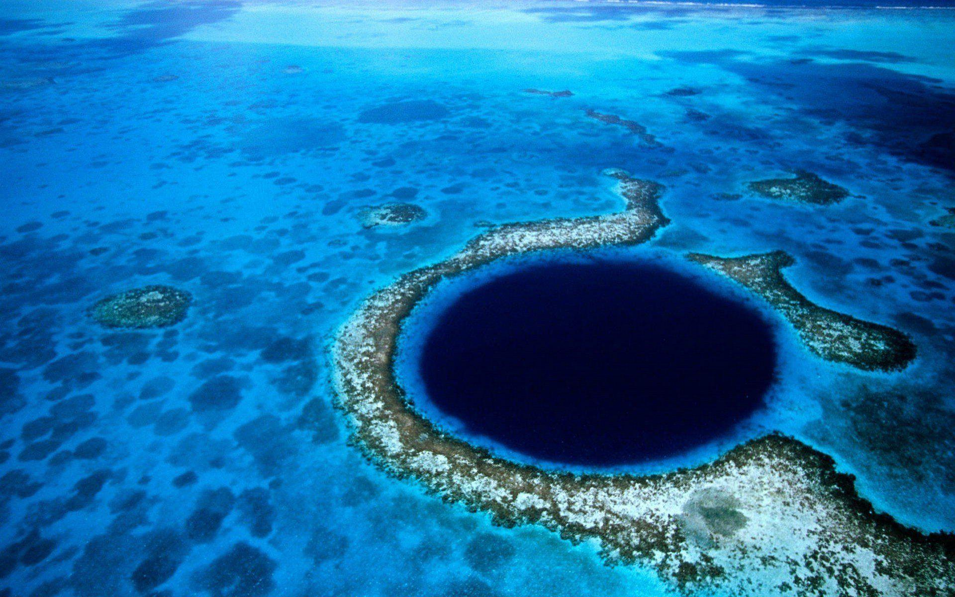 The Great Blue Hole Belize wallpapers